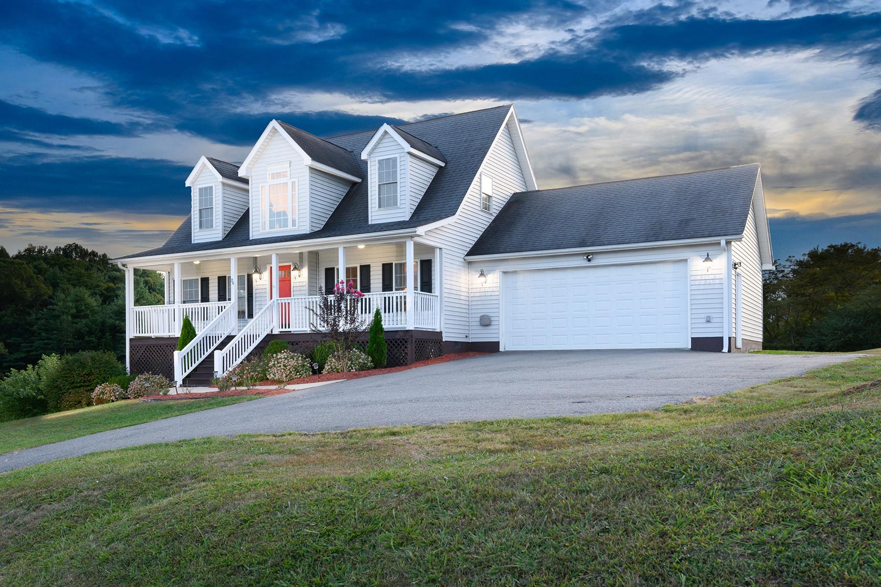 Single Family Homes vì Bán tại CASTLEWOOD ESTATES 26 Castlewood Dr, Alexander, Bắc Carolina 28701 Hoa Kỳ
