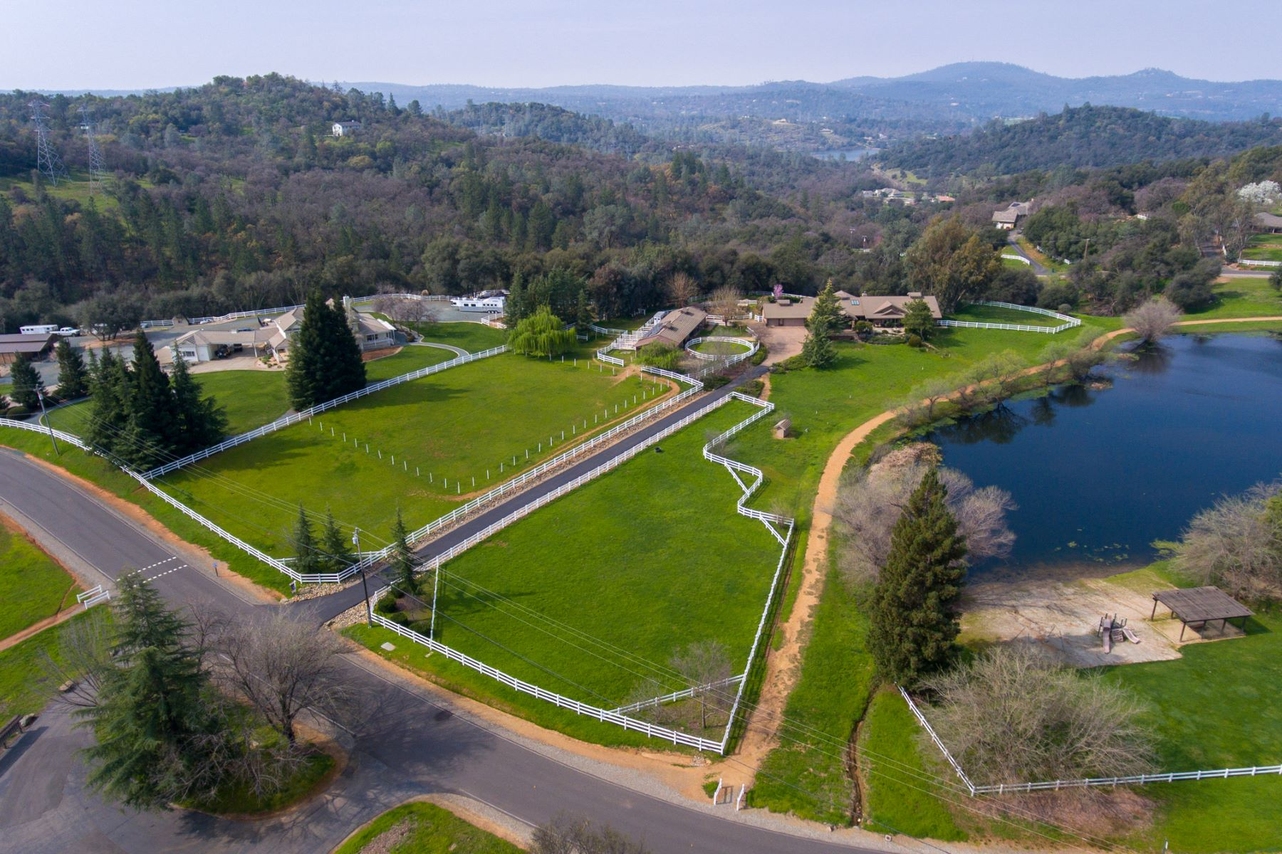 Single Family Home for Sale at 2948 Stagecoach Rd, Placerville, CA 95667 2948 Stagecoach Road Placerville, California, 95667 United States