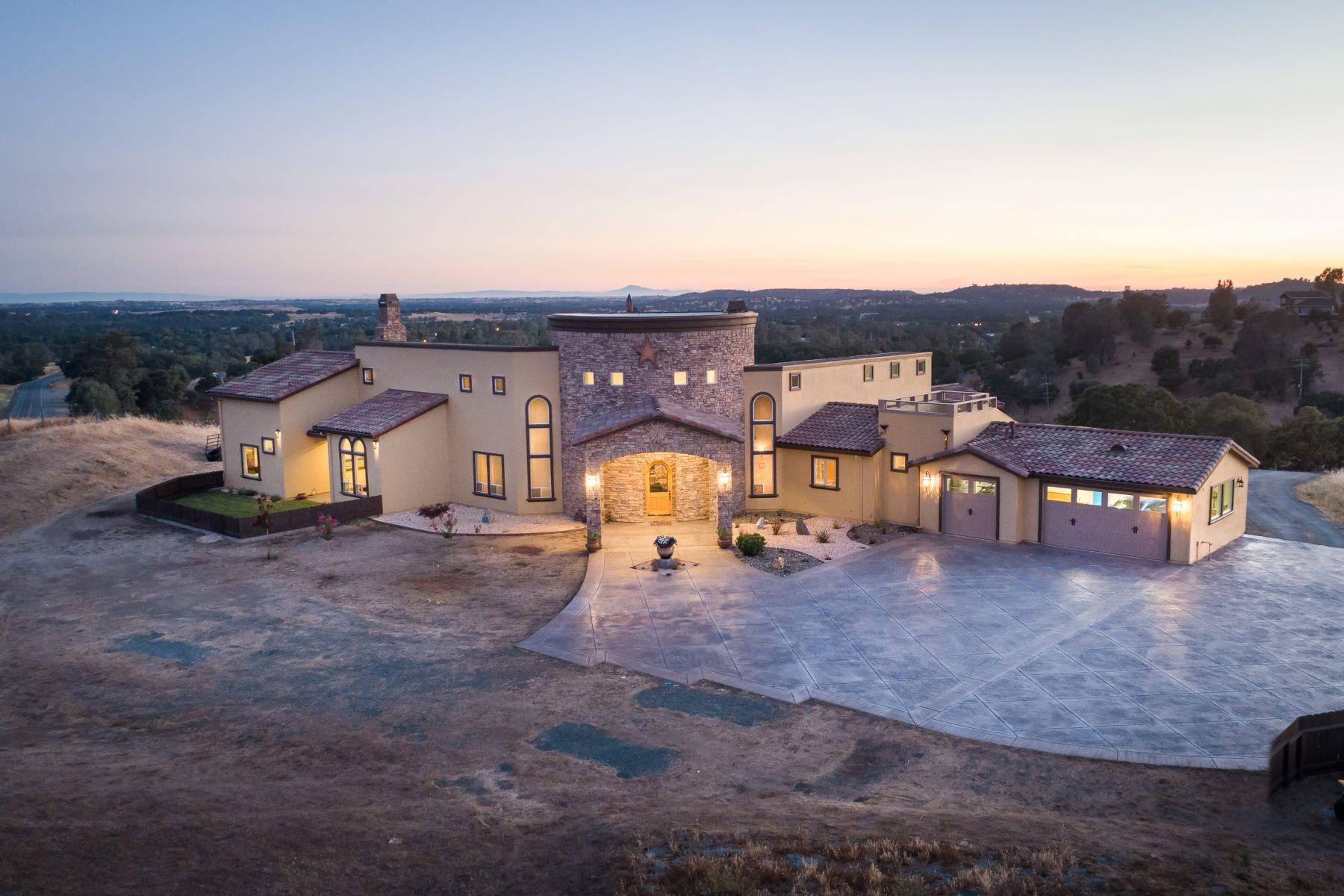 Single Family Homes para Venda às Flawless Design and Breathtaking 360 Degree Views Set Atop 10 Acres 10796 Waterman Road, Ione, Califórnia 95640 Estados Unidos
