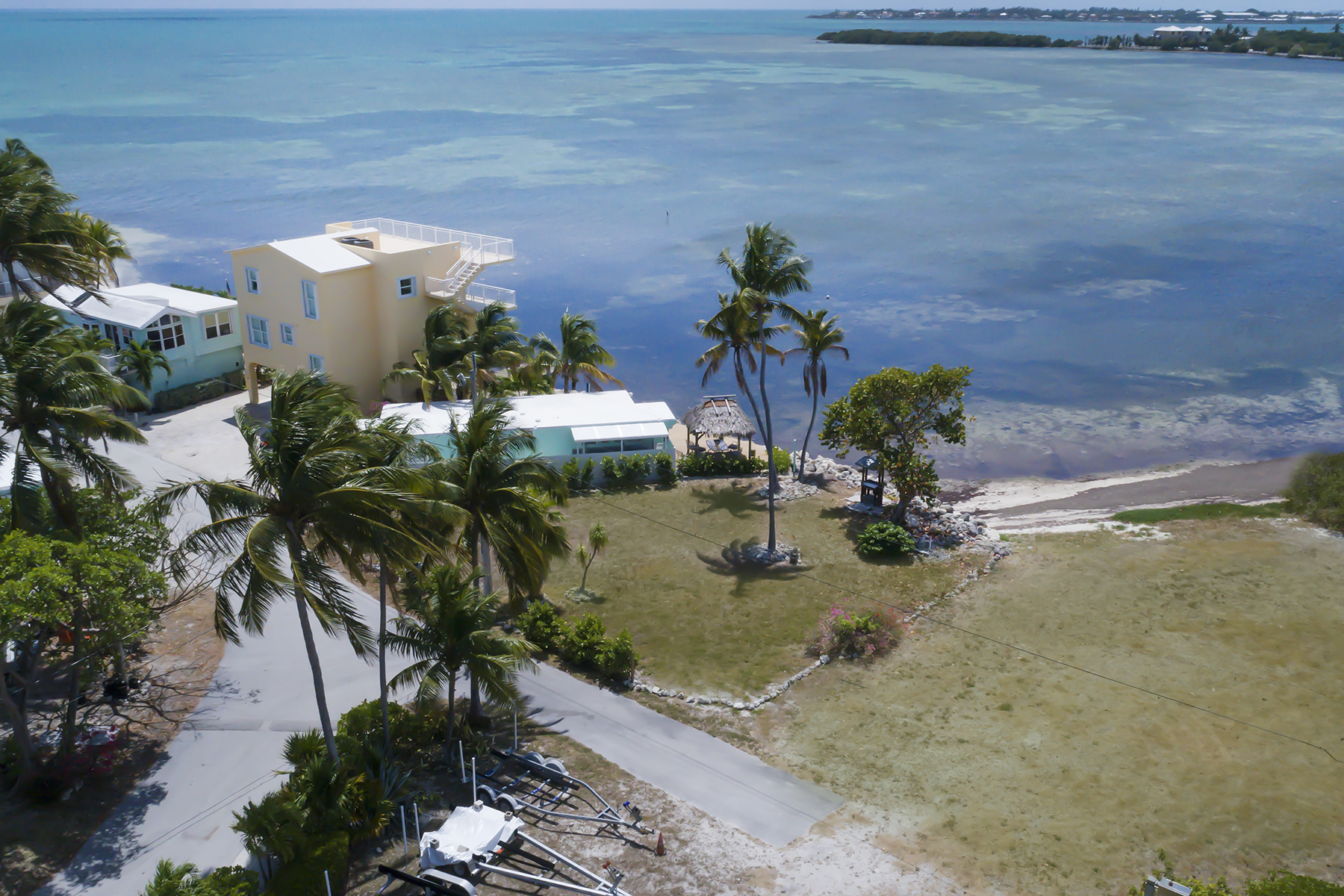Terreno por un Venta en Ocean Front Lot 62900 Overseas Highway #53 Duck Key, Florida, 33050 Estados Unidos