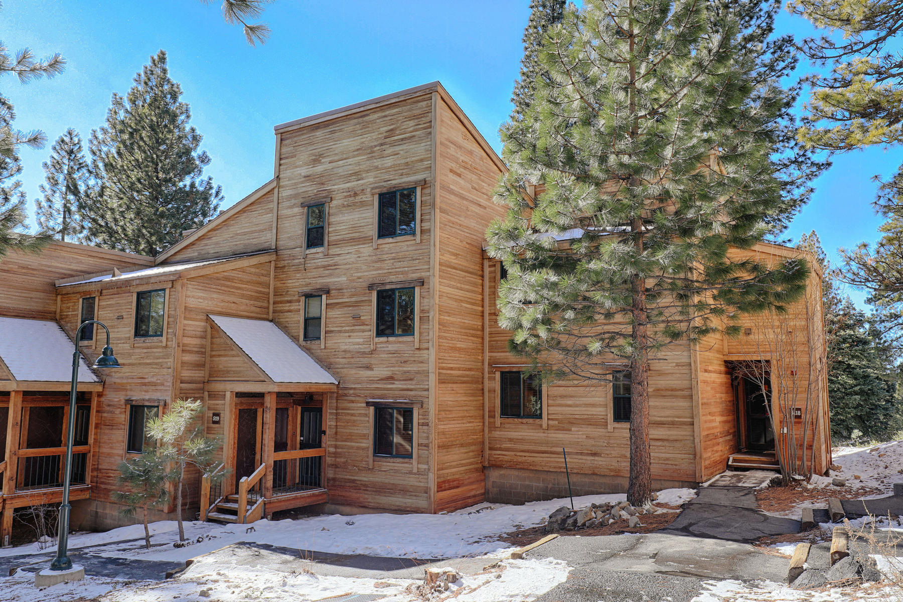 Condominiums for Active at 5118 Gold Bend Truckee California 96160 5118 Gold Bend Truckee, California 96160 United States