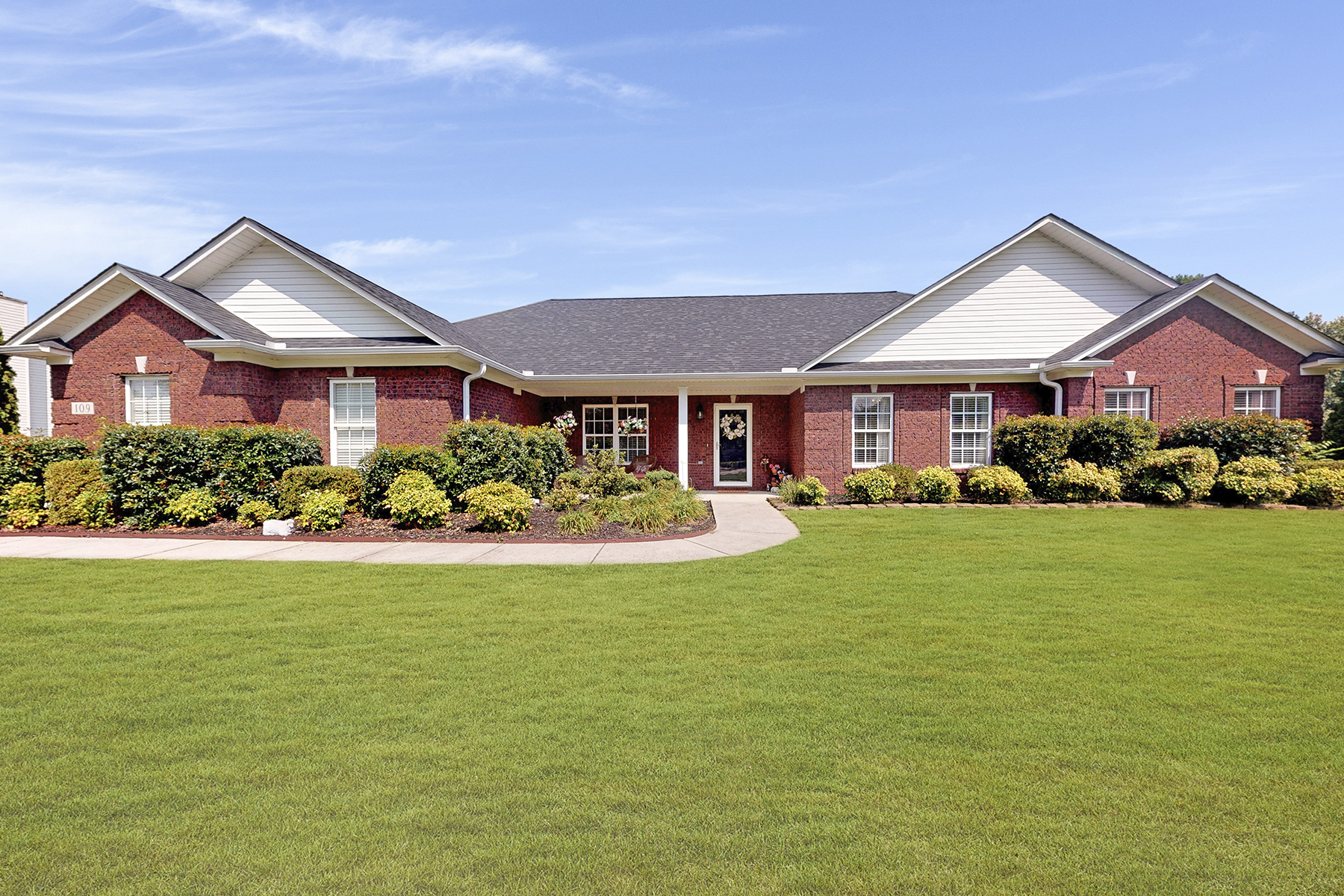 Single Family Homes for Active at 109 Sycamore Road Gurley, Alabama 35748 United States