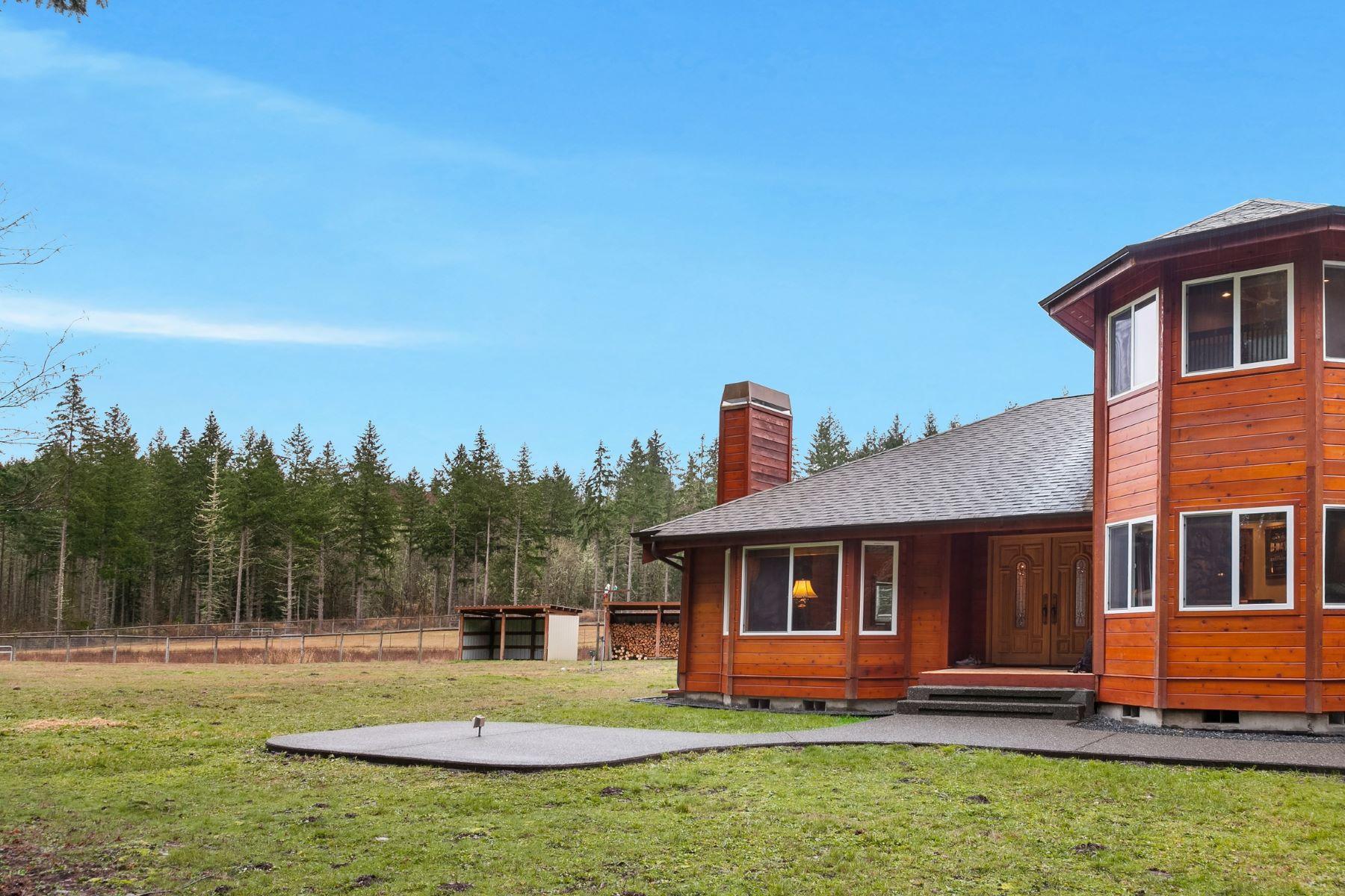 Single Family Homes por un Venta en Custom Home - Ridge at Tule Lake 2202 403rd St E Eatonville, Washington 98328 Estados Unidos