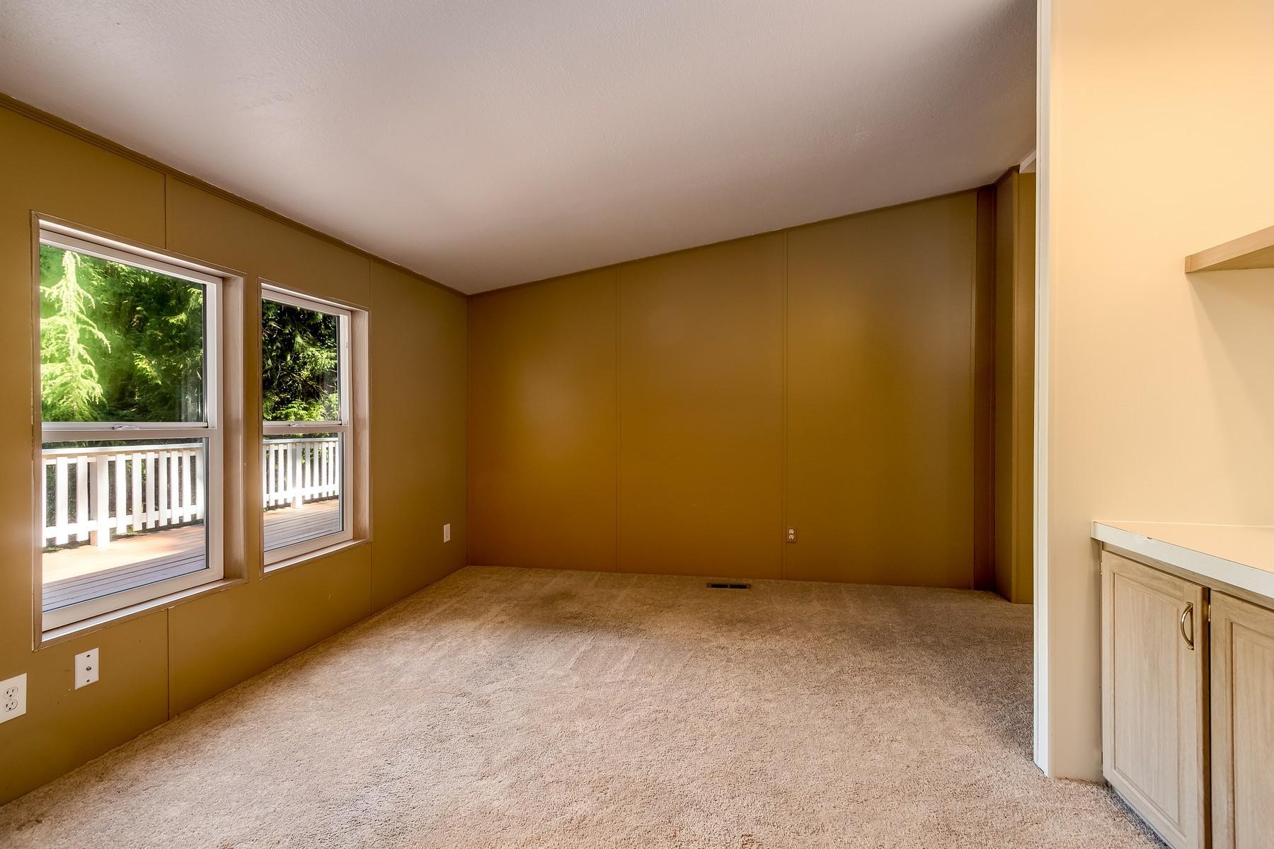 Additional photo for property listing at Affordable Gem in Fletcher Bay 8480 NE Hansen Rd Bainbridge Island, Washington 98110 Estados Unidos
