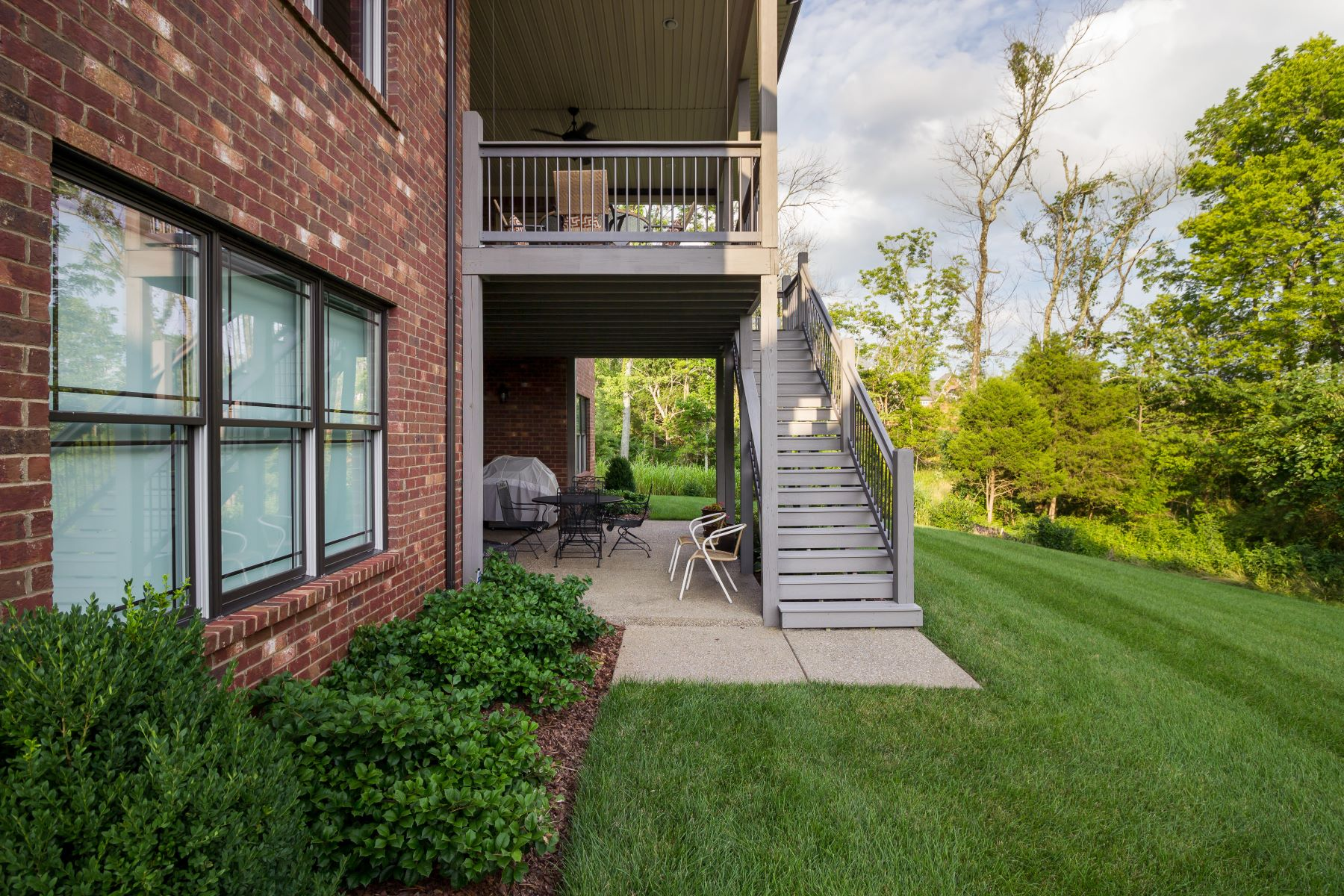 Additional photo for property listing at 17006 Shakes Creek Drive  Louisville, Kentucky 40023 United States
