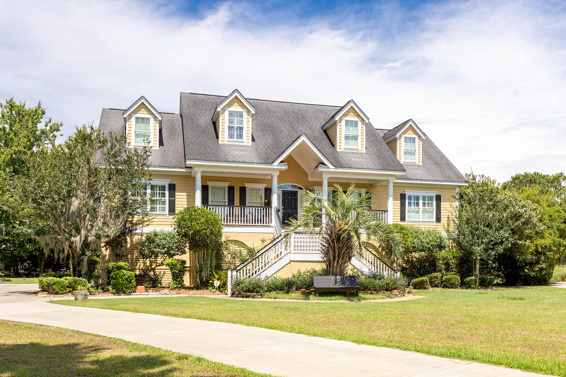 Single Family Homes for Active at 1547 Regimental Lane Johns Island, South Carolina 29455 United States