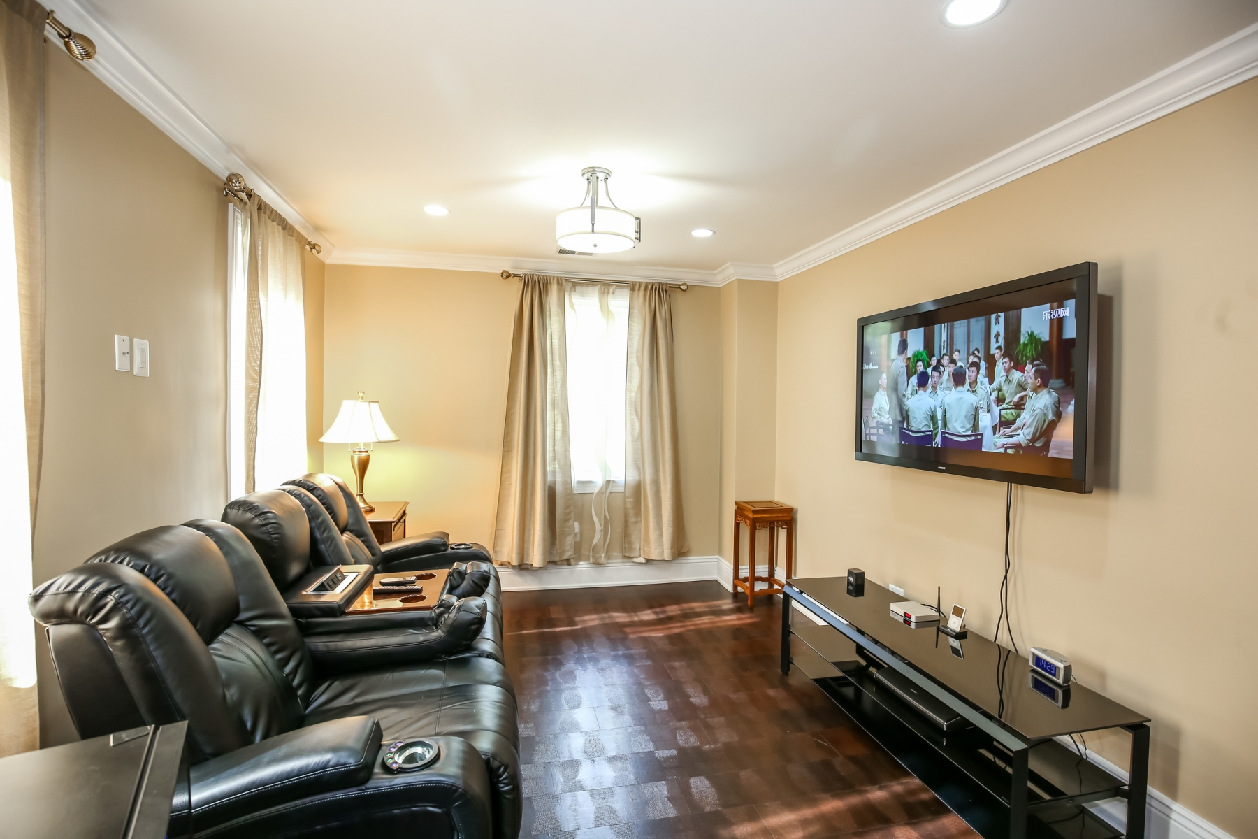 Additional photo for property listing at Forest Hills 2829 Tilden Street Nw 华盛顿市, 哥伦比亚特区 20008 美国
