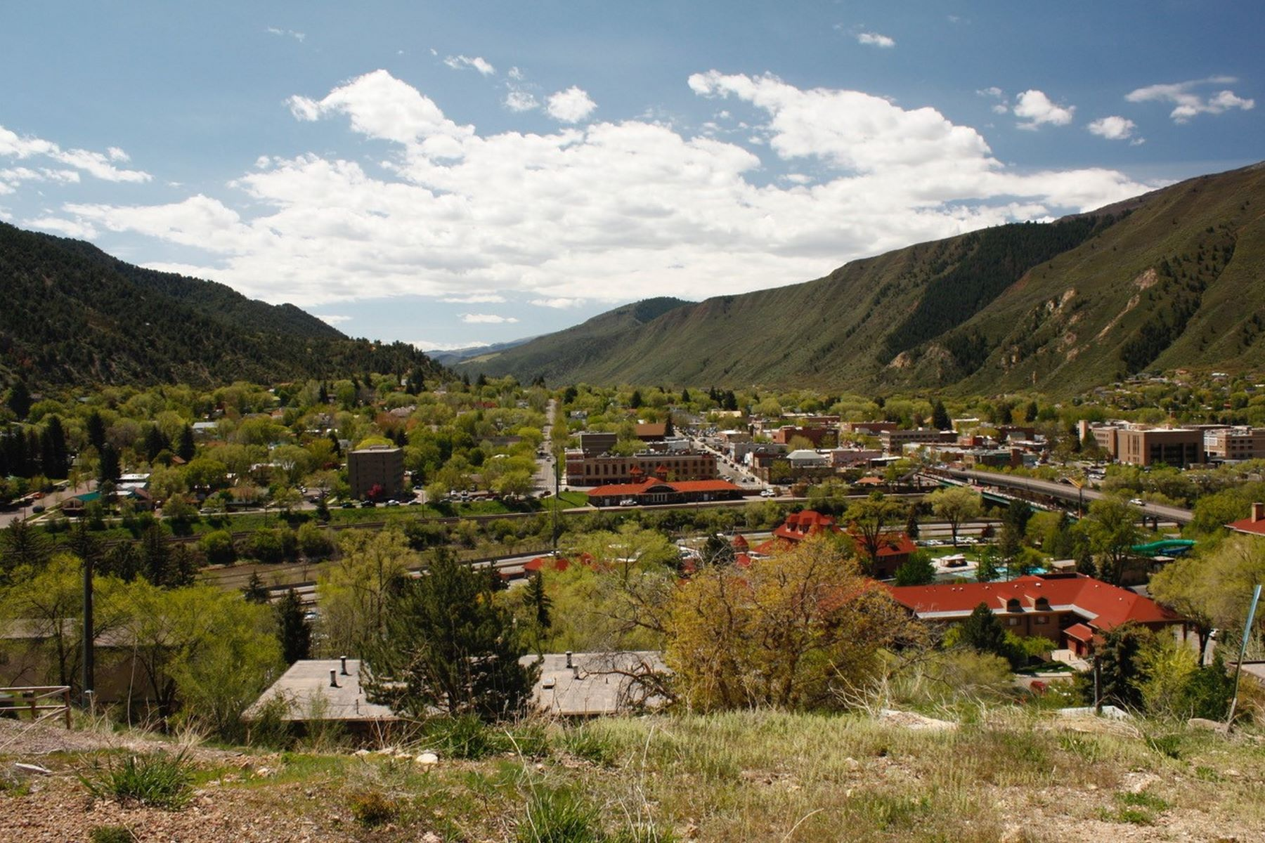 Terreno por un Venta en Triplex Lot in Downtown Glenwood Springs 502-506 Echo Street Glenwood Springs, Colorado, 81601 Estados Unidos
