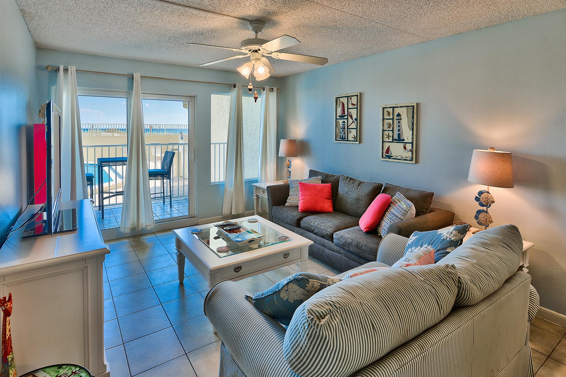 Condominio por un Venta en GROUND FLOOR GULF FRONT CONDO ON OKALOOSA ISLAND 676 Santa Rosa Boulevard 1L Fort Walton Beach, Florida 32548 Estados Unidos