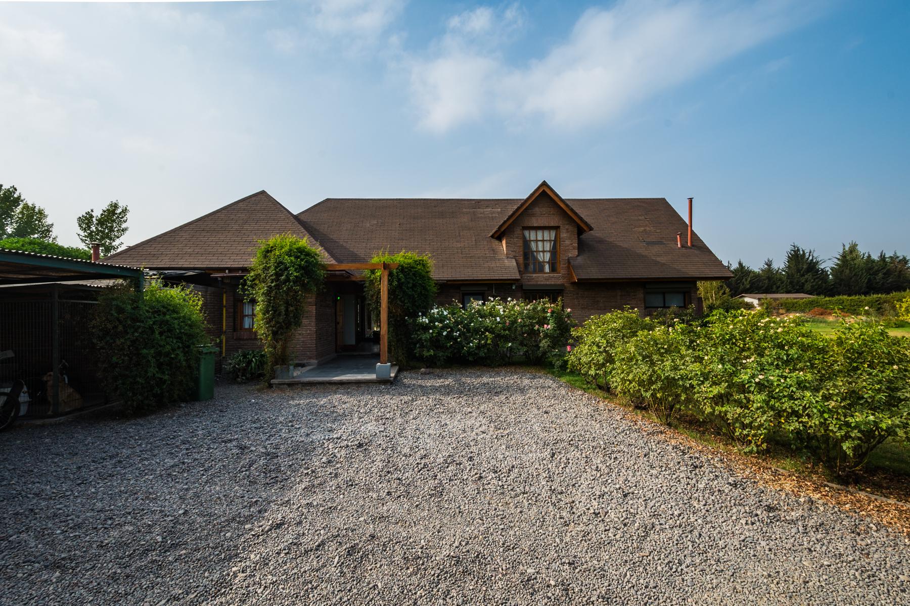 Частный односемейный дом для того Продажа на Beautiful country house in Chicureo Colina, Region Metropolitana De Santiago, Чили