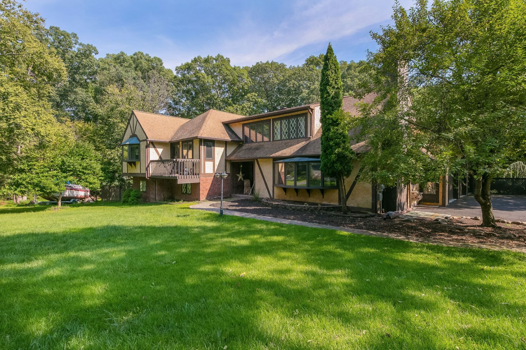Single Family Homes for Active at Tomkins Cove Colony Colonial 75 Lakeview Drive Stony Point, New York 10986 United States