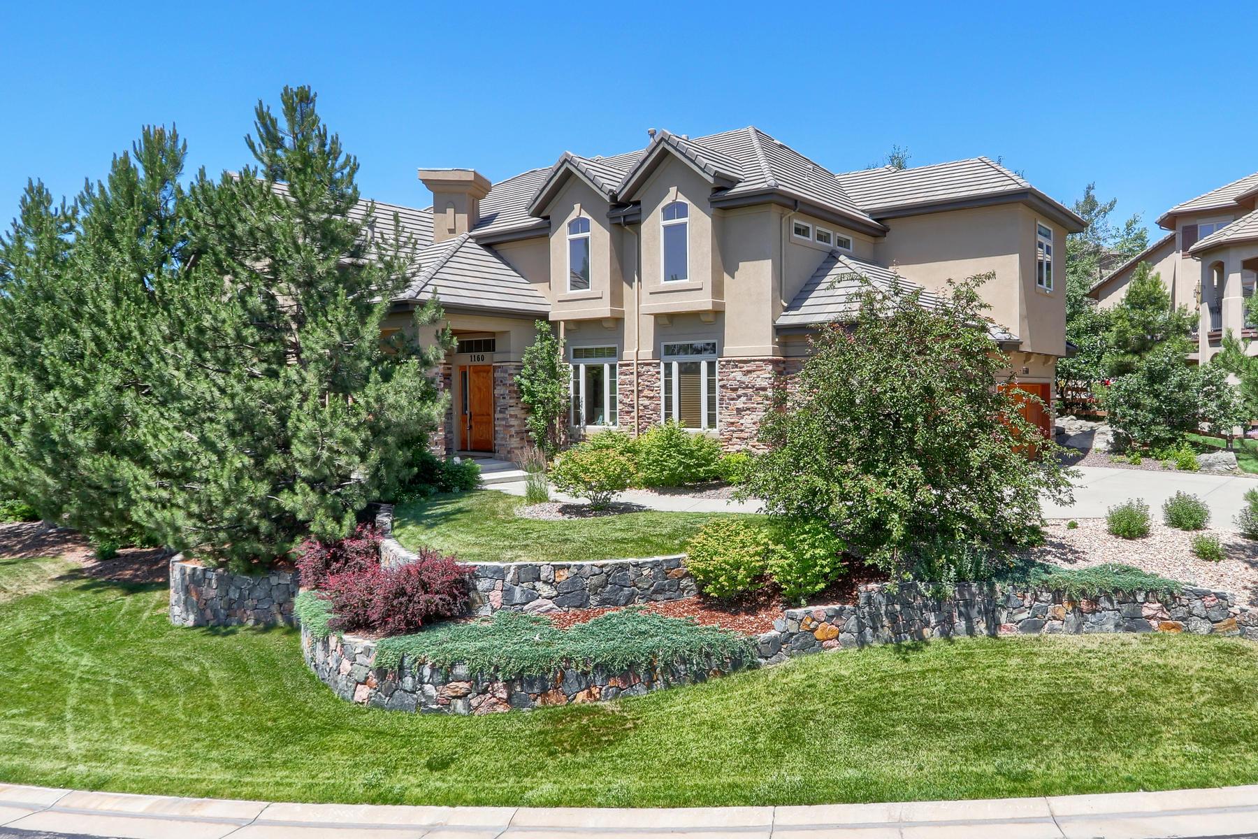Single Family Homes para Venda às Immaculate 4 bedroom, 5 bath custom home located in gated Buffalo Ridge Estates. 1160 Buffalo Ridge Rd, Castle Pines, Colorado 80108 Estados Unidos