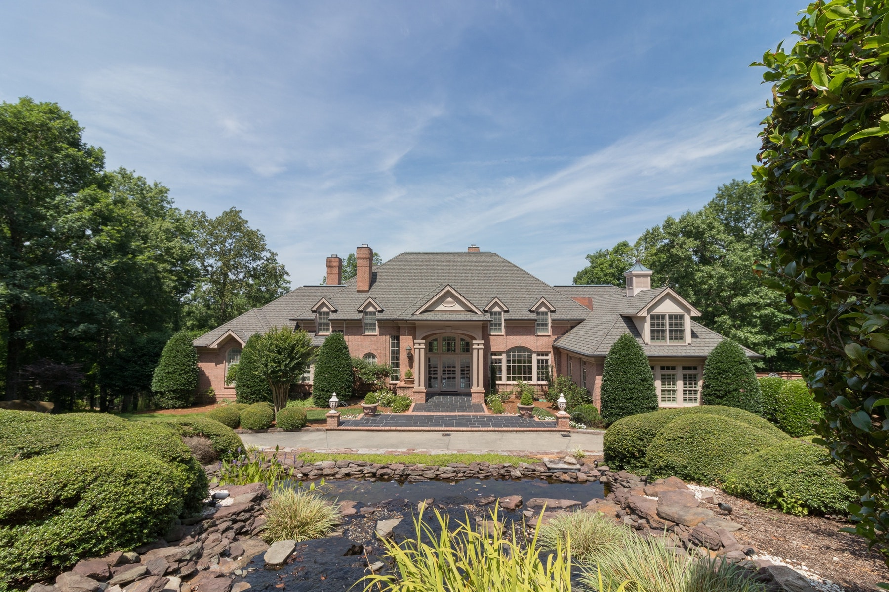 Single Family Home for Sale at Governors Club Estate 32600 Archdale Chapel Hill, North Carolina 27517 United StatesIn/Around: Durham, Raleigh, Cary