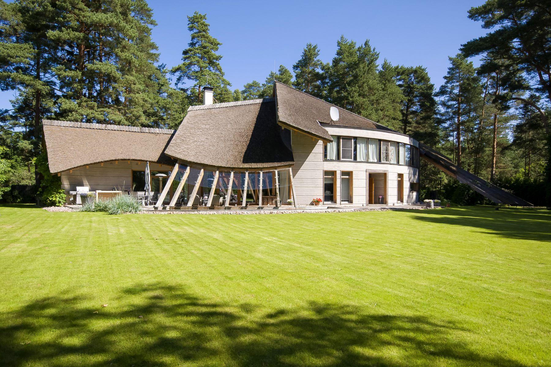Maison unifamiliale pour l Vente à Modern house on the shore of Lielupe, Jurmala Jurmala, Rigas County, Lettonie