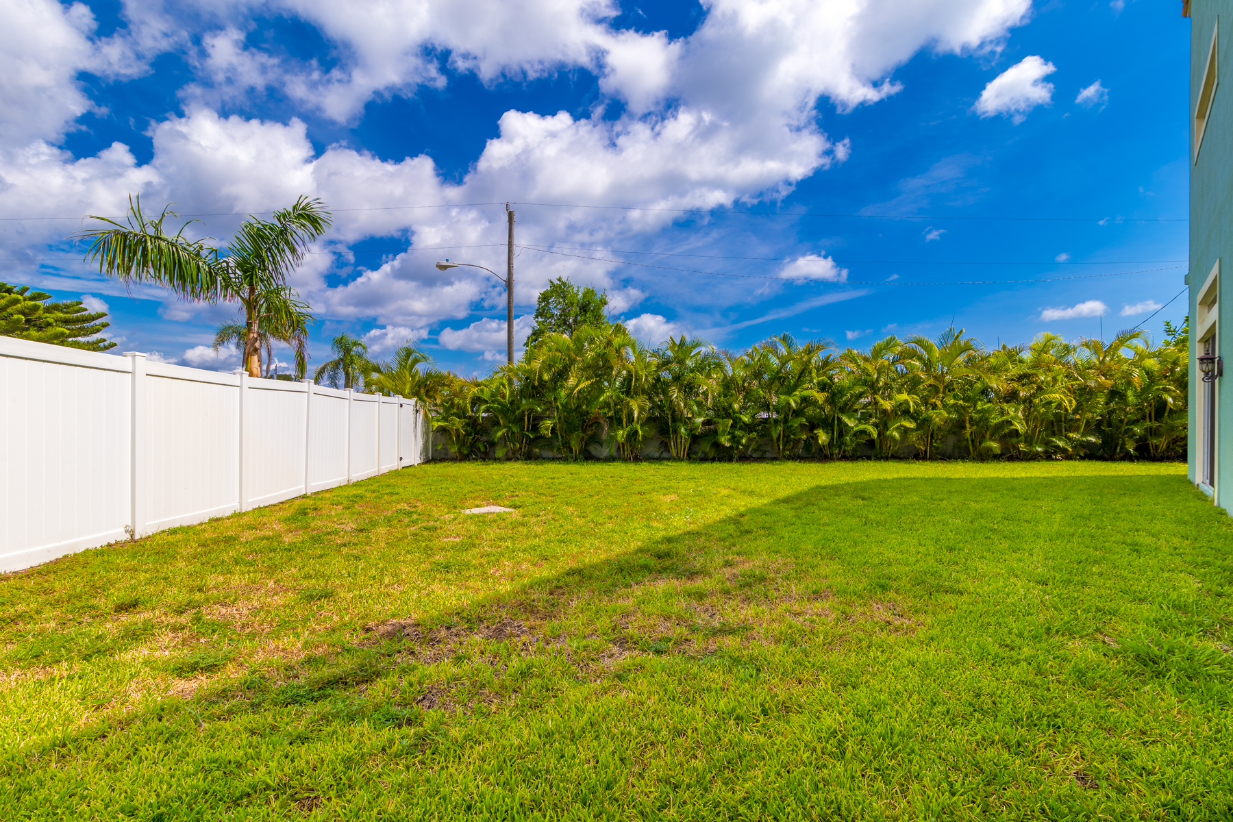 Additional photo for property listing at Luxury Townhome in Fortebello 122 Mediterranean Way Satellite Beach, Florida 32937 United States