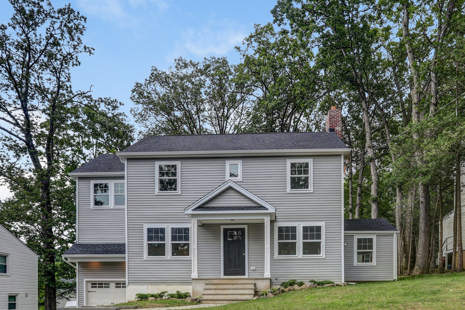 Single Family Homes for Sale at Move-In Ready 24 West Lawn Road Livingston, New Jersey 07039 United States