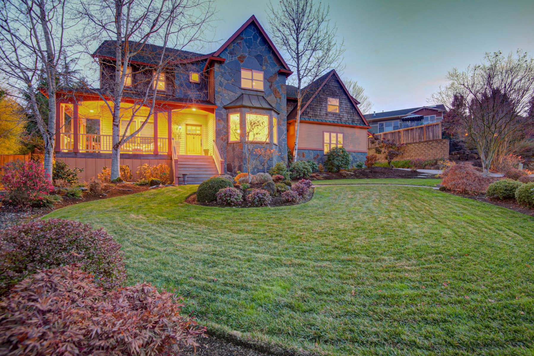 Single Family Homes for Sale at Stunning Luxury Estate! 5113 NW 143rd St Vancouver, Washington 98685 United States