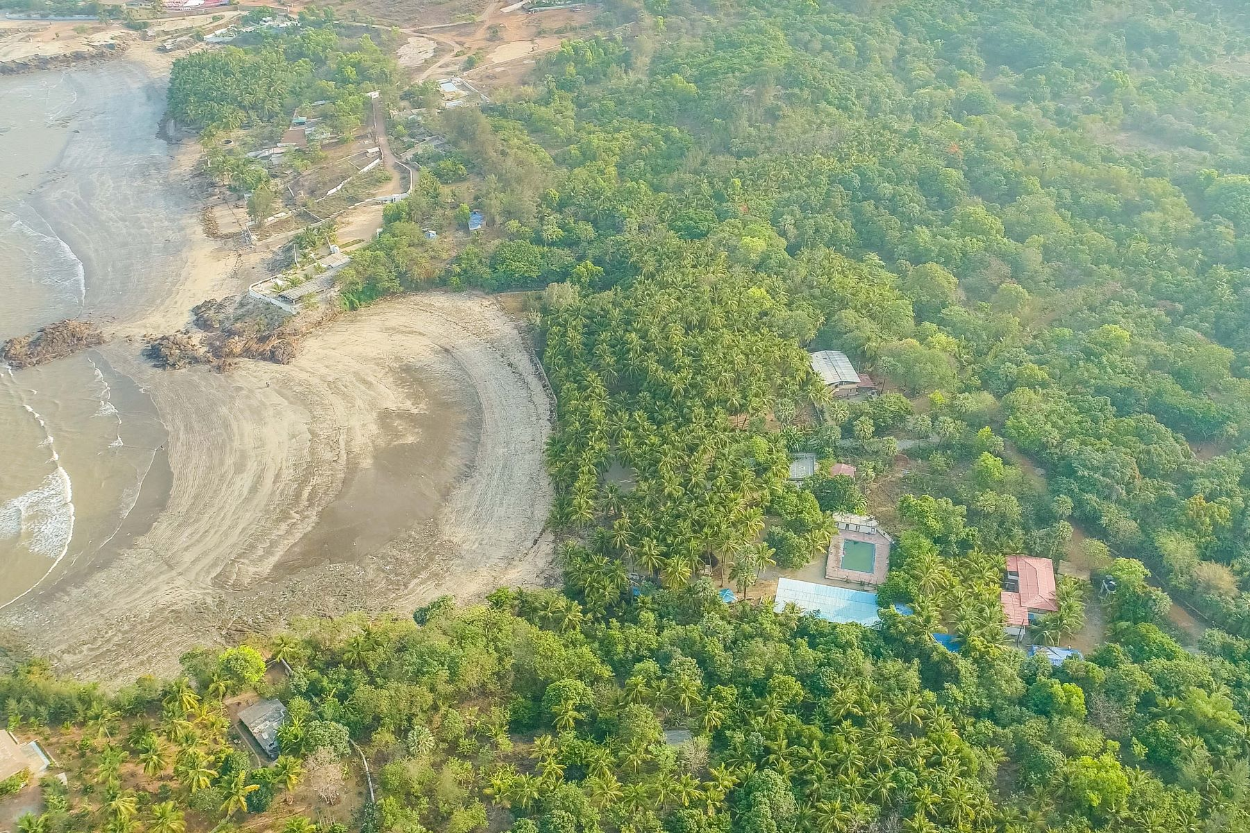 Additional photo for property listing at Beachfront land parcel in Gorai-Uttan 孟买, 马哈拉托特拉邦 401106 印度