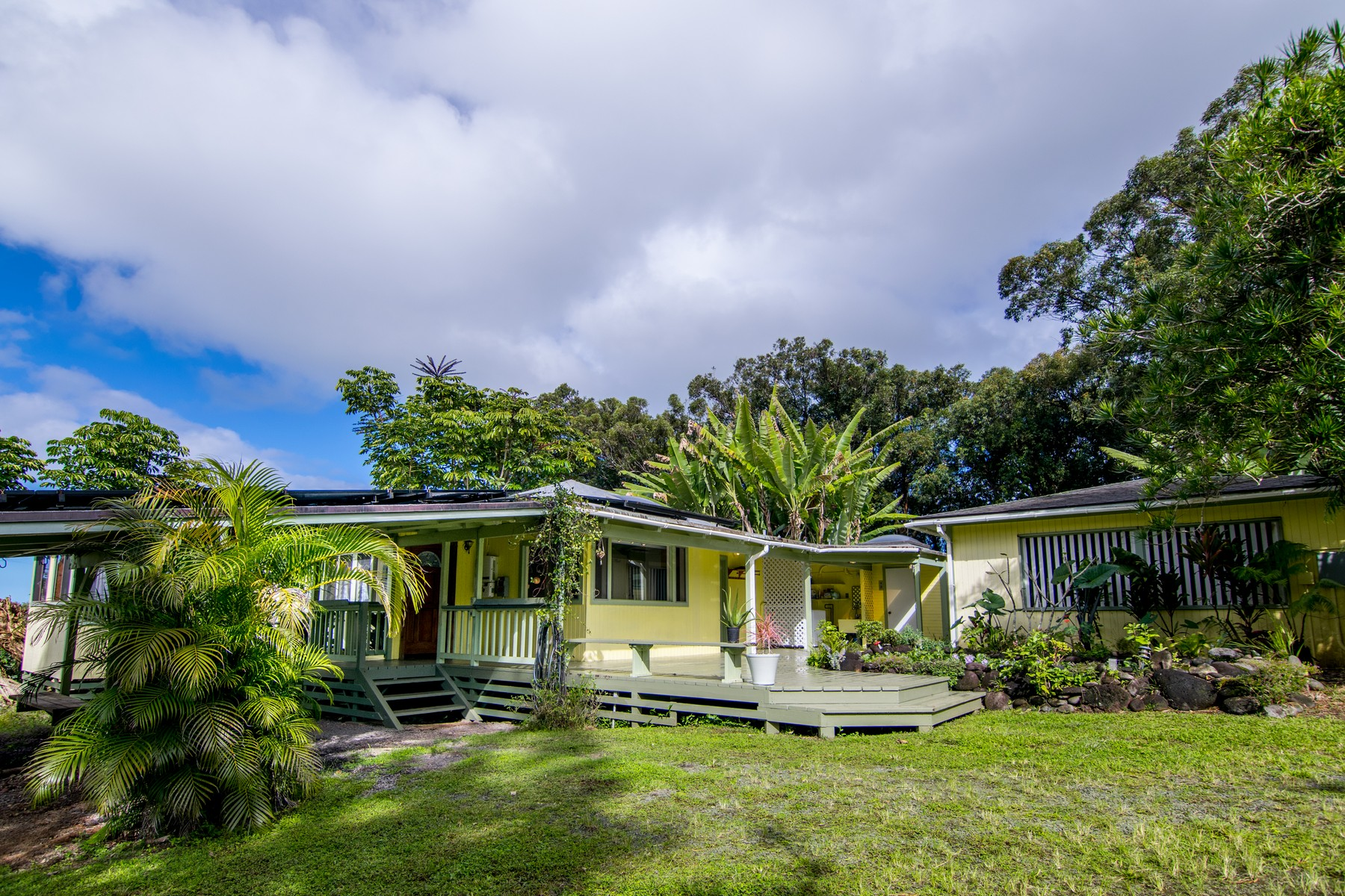 獨棟家庭住宅 為 出售 在 Ocean View Haiku Home & Cottage with Orchard & PV on 2+Acres 2249 Kauhikoa Rd Haiku, 夏威夷 96708 美國