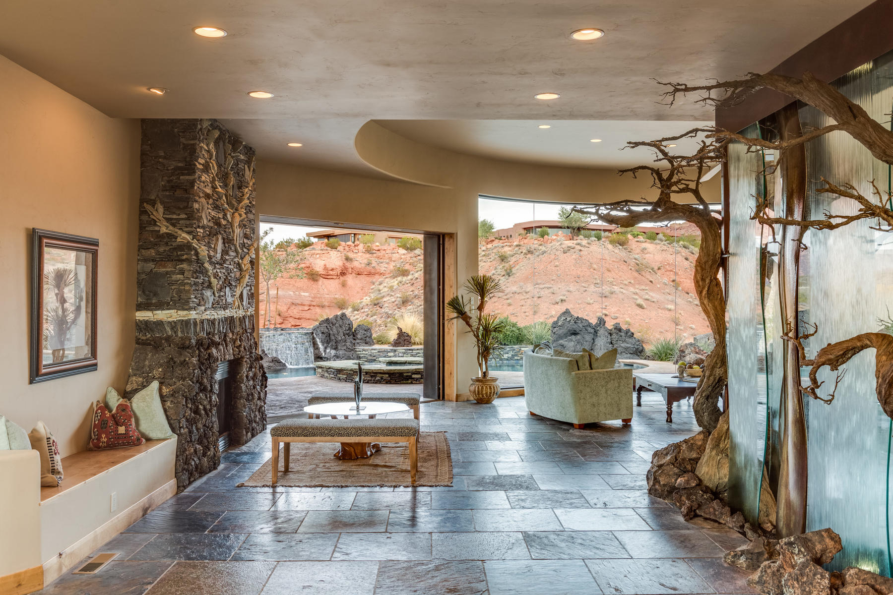 Additional photo for property listing at Superb one-level living at it's finest! 2548 N Chaco Trail #39 St. George, Utah 84770 États-Unis