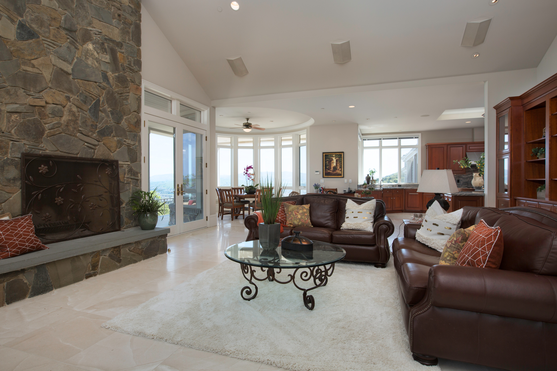 Additional photo for property listing at FOOTHILL ESTATE 4140 Foothill Road Pleasanton, California 94588 United States
