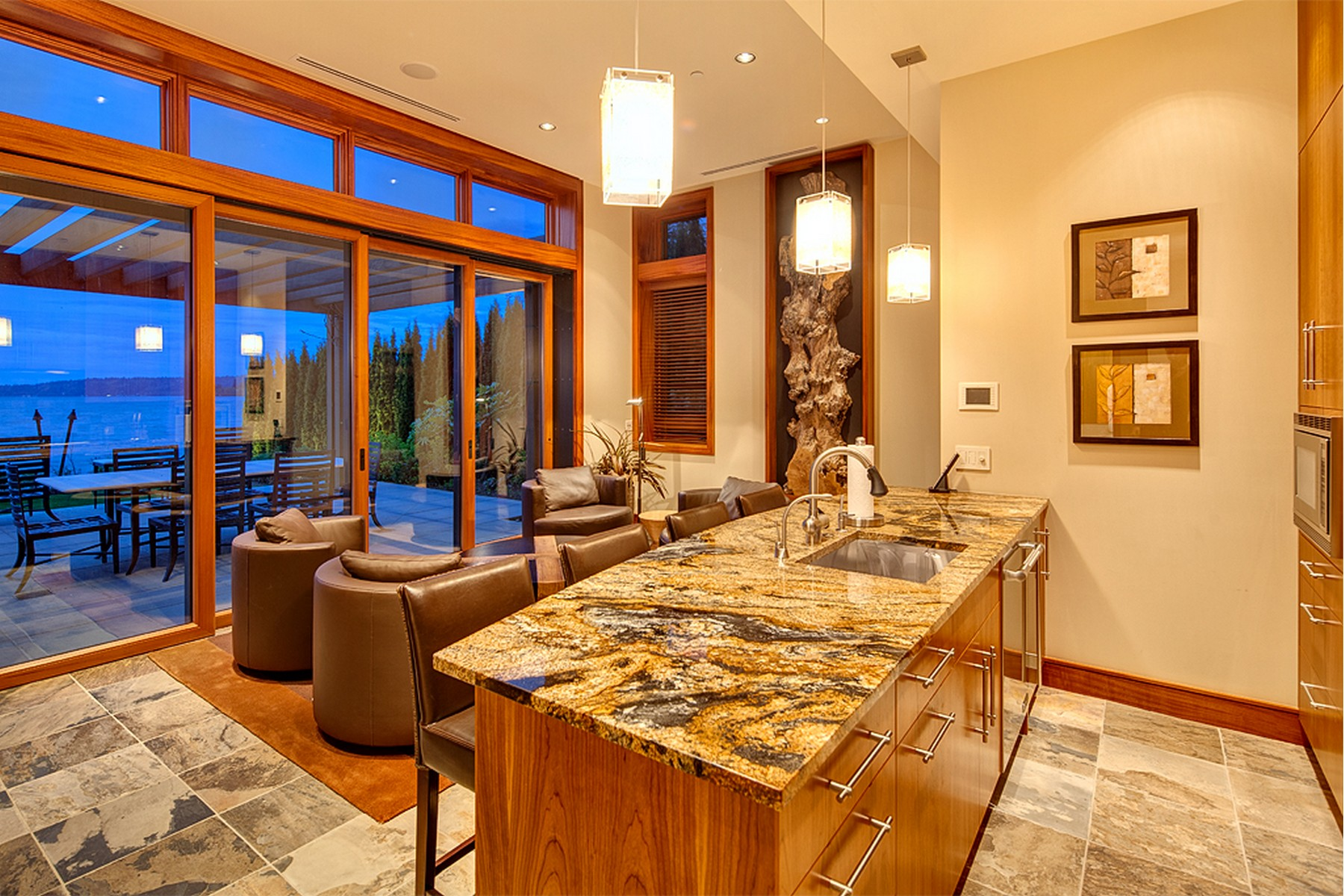 Additional photo for property listing at Lake Sammamish Estate 18110 SE 41st Lane 贝尔维尤, 华盛顿州 98008 美国