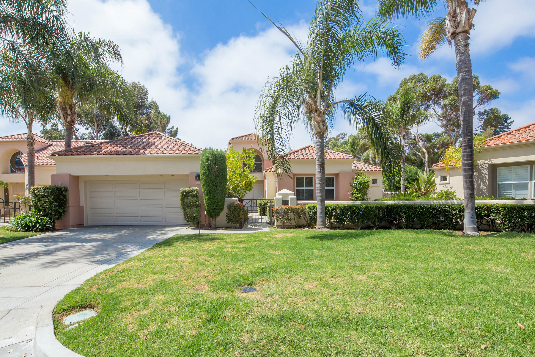 Single Family Homes for Sale at 98 Siena Laguna Niguel, California 92677 United States