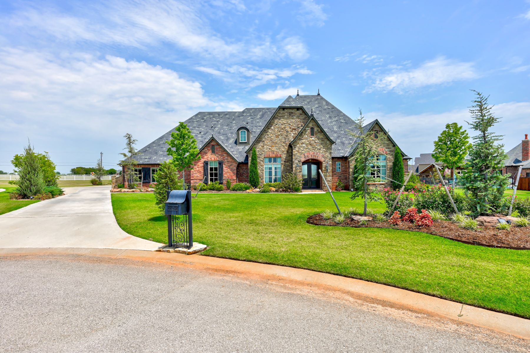 Single Family Homes for Active at Cul-de-Sac Villa in Villagio 22032 Cricklewood Court Edmond, Oklahoma 73012 United States