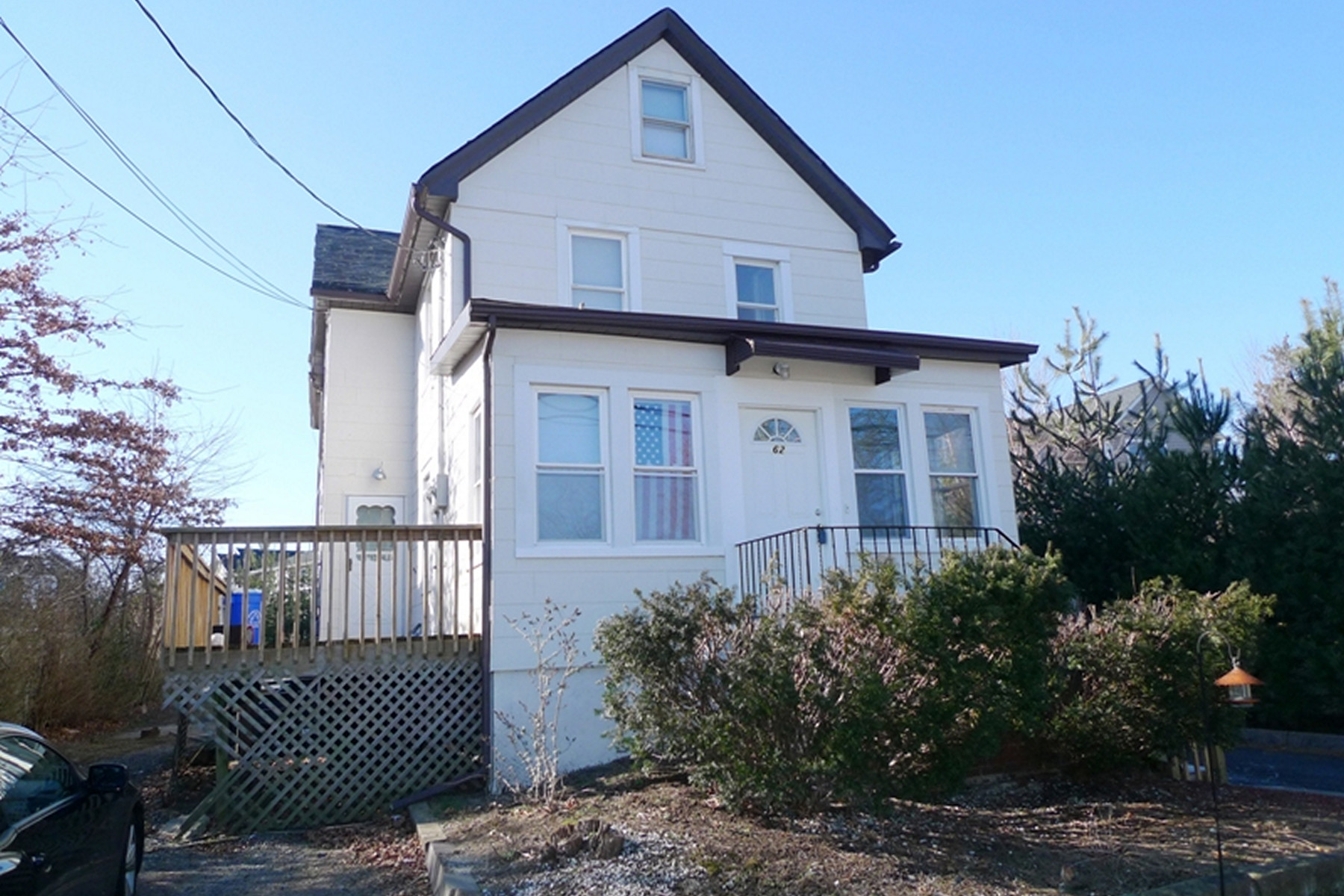 Multi-Family Home for Rent at Updated Rental 62 W Mahan St 2nd Fl, Tenafly, New Jersey 07670 United States