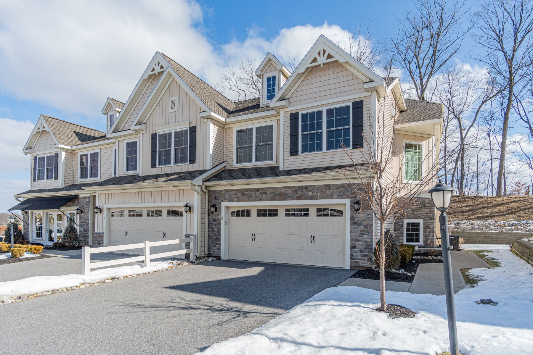 townhouses for Active at Immaculate Round Lake Townhome 9 Hillman Loop Round Lake, New York 12151 United States