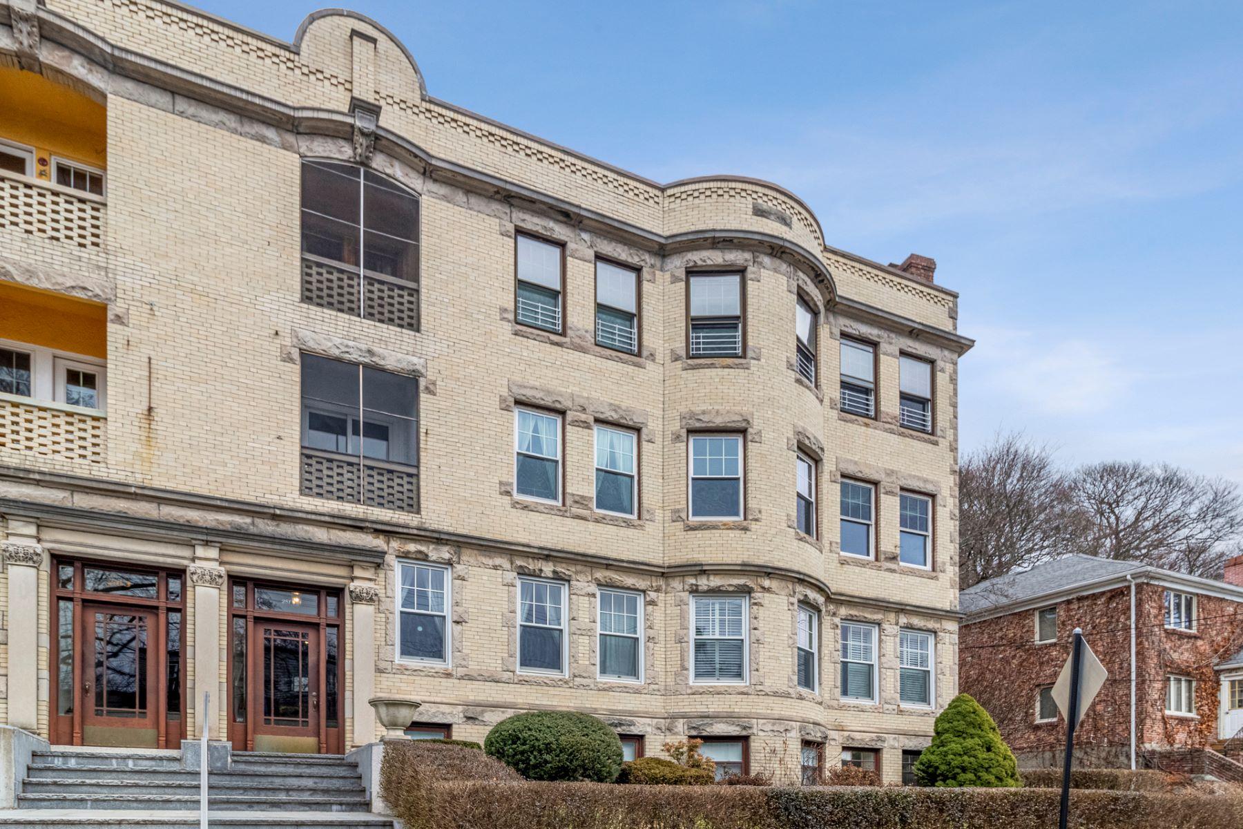 Condominiums por un Venta en 281 Tappan T1 Brookline, Massachusetts 02445 Estados Unidos
