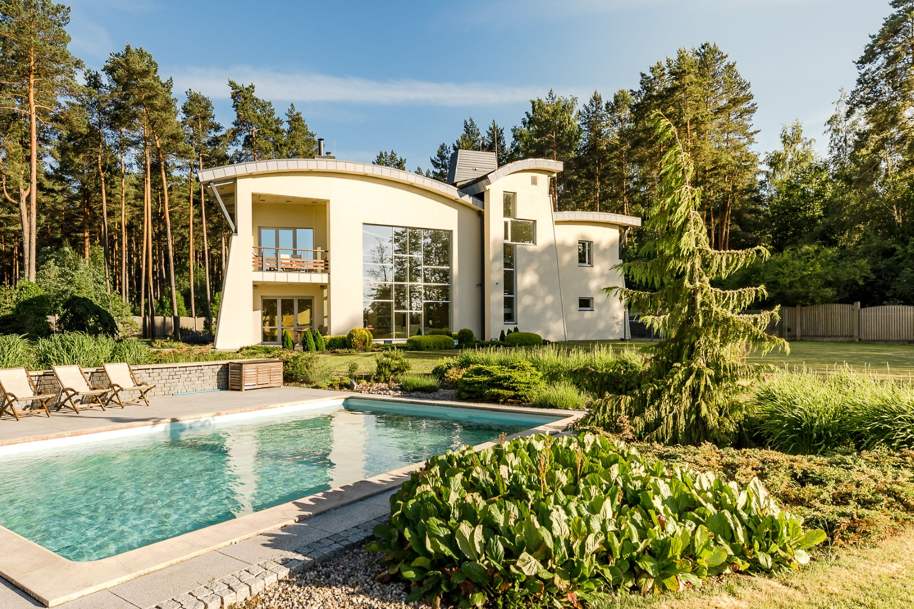 واحد منزل الأسرة للـ Sale في Exclusive property on the banks of the lake Other Latvia, Other Areas In Latvia, Latvia