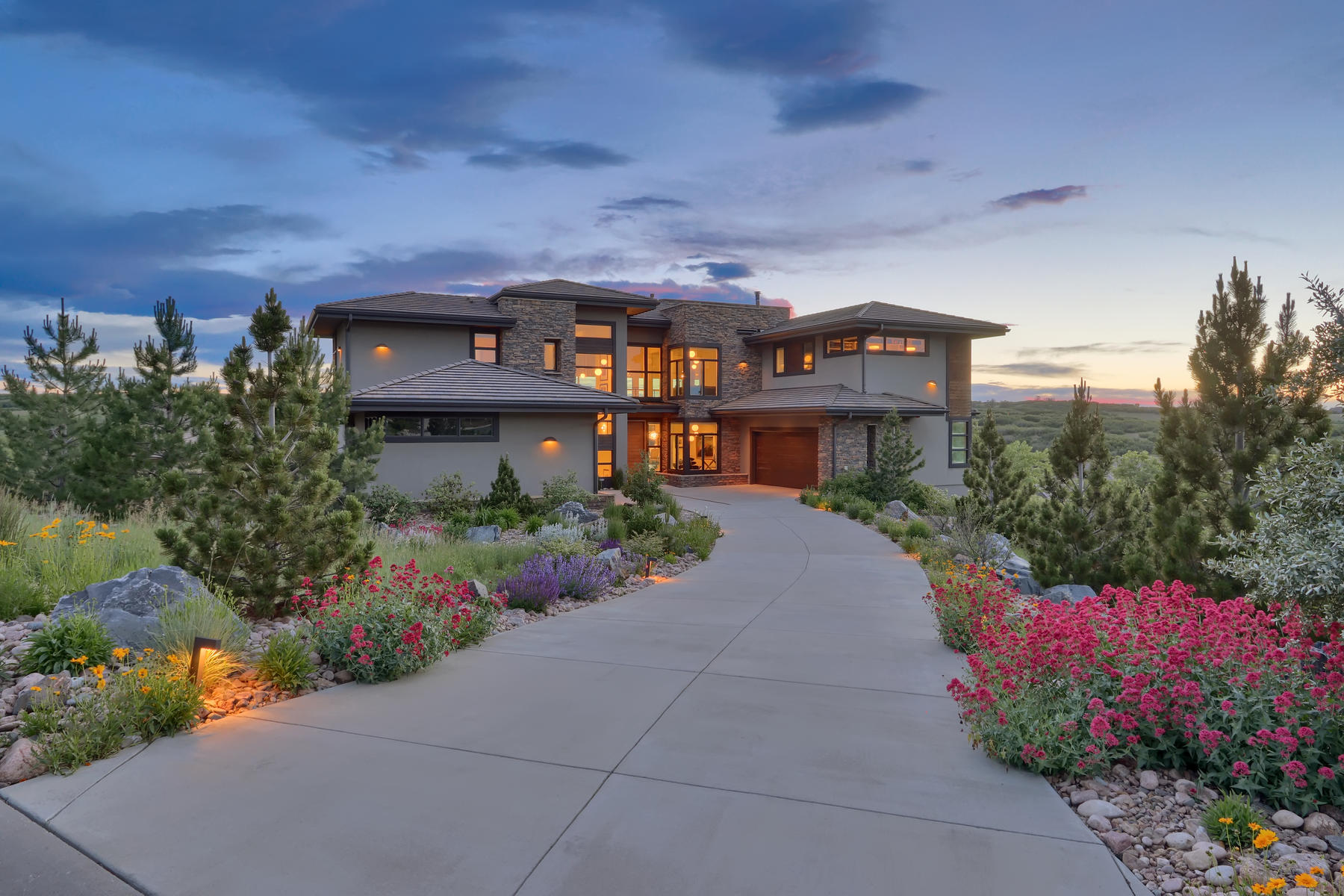 Single Family Homes for Active at A masterpiece of contemporary design! 13043 Whisper Canyon Road Castle Pines, Colorado 80108 United States