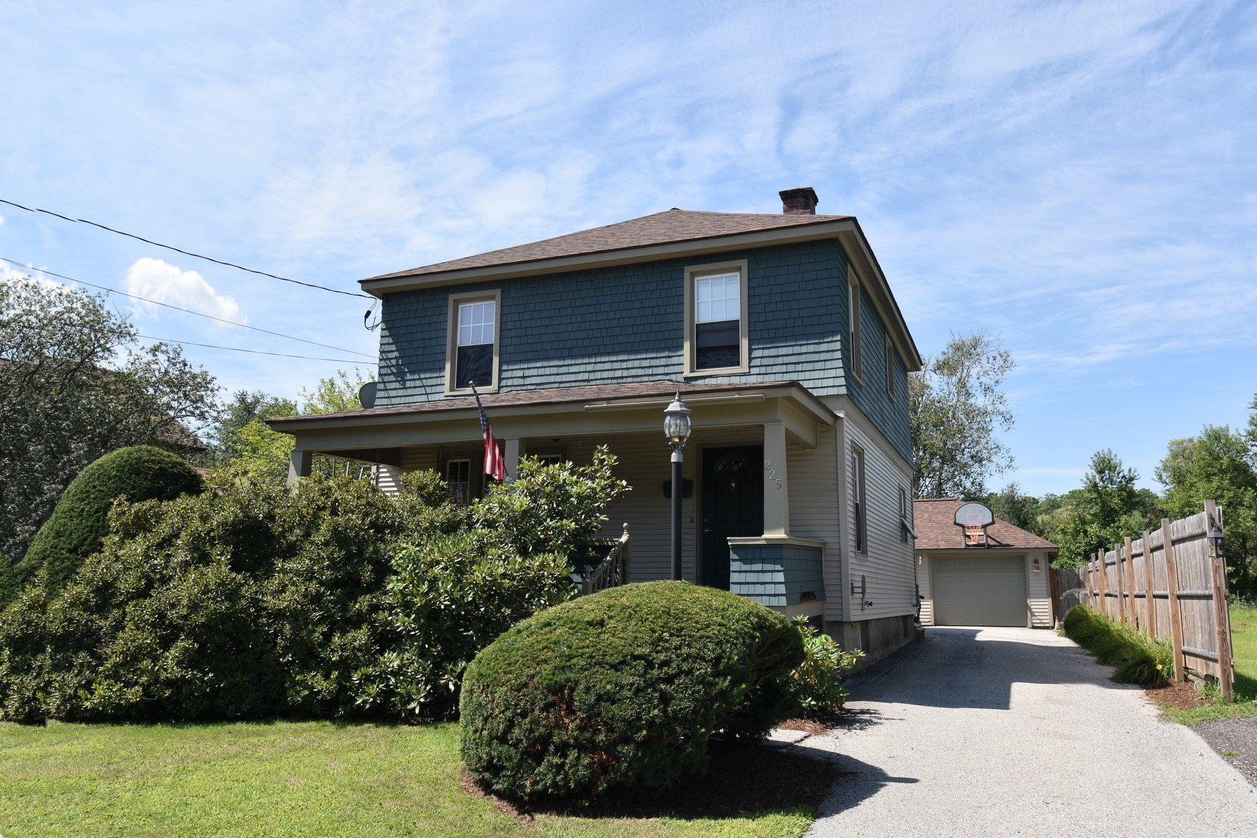Single Family Homes for Sale at 225 Lincoln Avenue, Rutland City 225 Lincoln Ave Rutland, Vermont 05701 United States