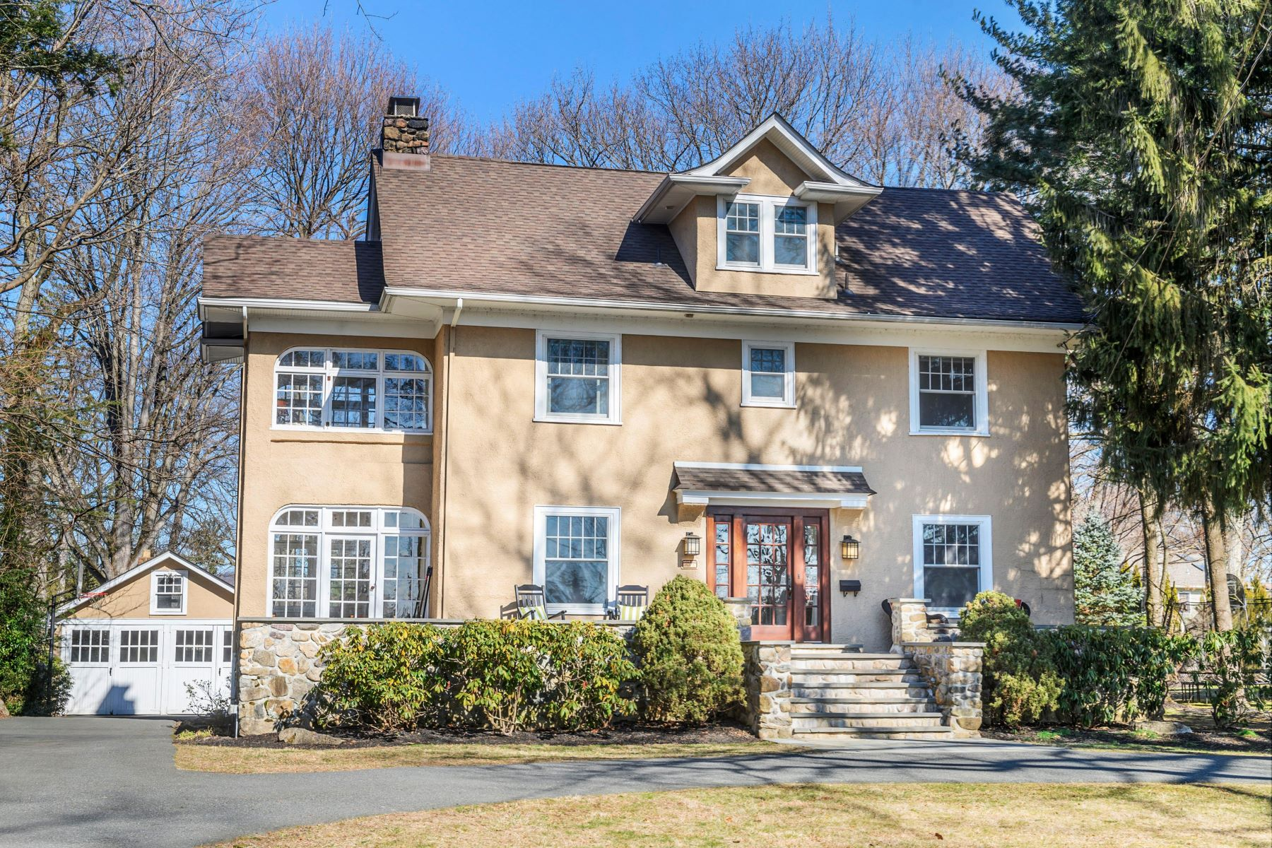 Single Family Homes for Active at Lovingly Updated 65 Bellvale Road Mountain Lakes, New Jersey 07046 United States