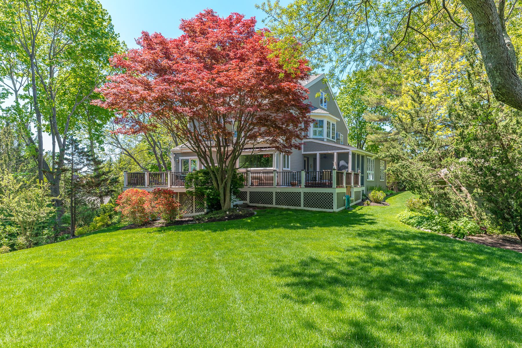 Single Family Homes por un Venta en The Marblehead Neck home you have been waiting for! 3 Wallingford Road Marblehead, Massachusetts 01945 Estados Unidos