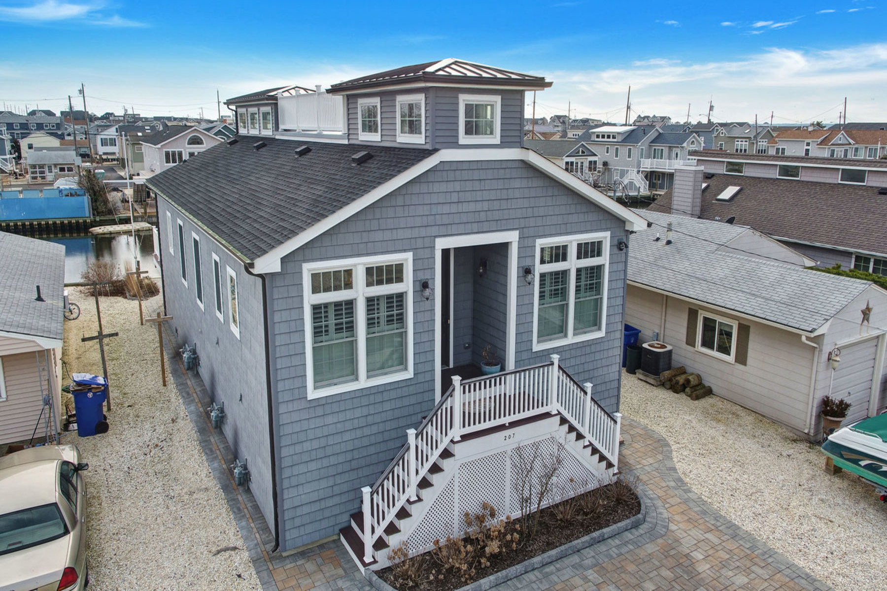 Moradia para Venda às Designed And Beautifully Executed Waterfront Home 207 Melody Lane, Lavallette, Nova Jersey 08735 Estados Unidos