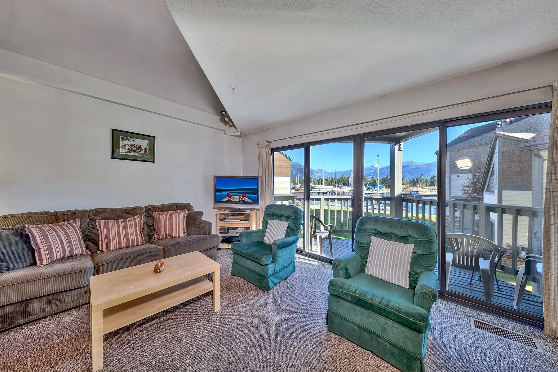 Additional photo for property listing at 489 Tahoe Keys #57, South Lake Tahoe, Ca 96150 489 Tahoe Keys #57 South Lake Tahoe, California 96150 United States