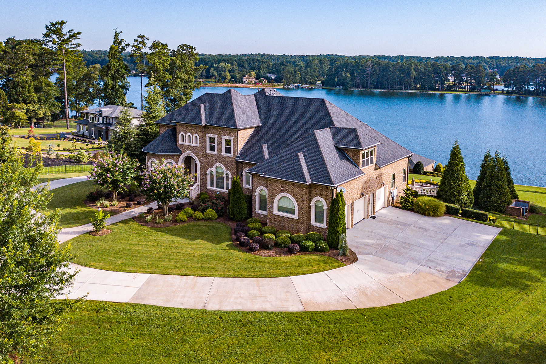 Additional photo for property listing at Lake Spivey- Luxurious, Gated Lake Front Estate 3056 Emerald Drive, Jonesboro, Джорджия 30236 Соединенные Штаты
