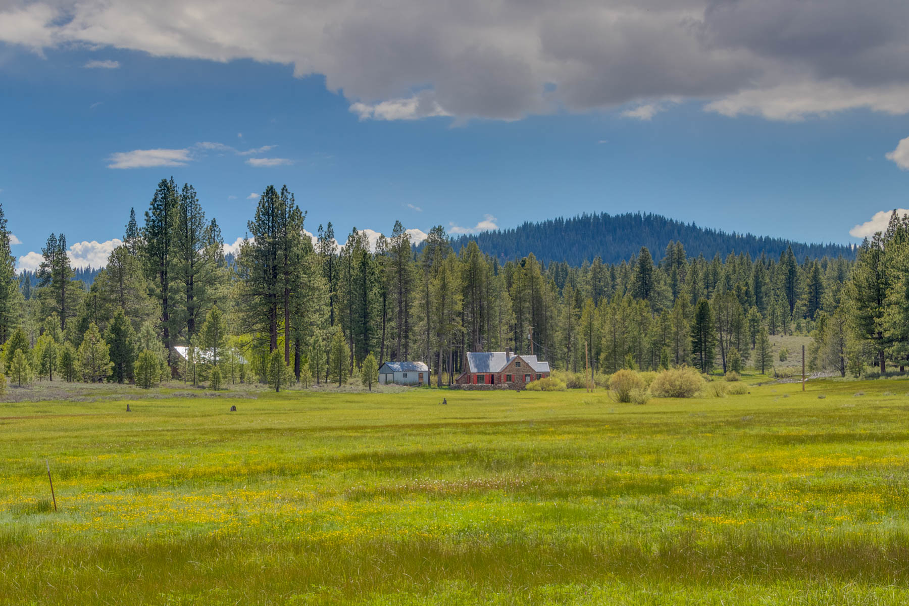 Single Family Homes por un Venta en 9755 Joerger Ranch Road, Truckee, CA 96161 9755 Joerger Ranch Road Truckee, California 96161 Estados Unidos