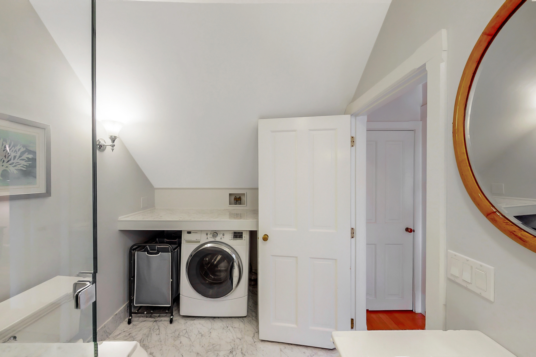 Additional photo for property listing at The Hedges 6 Howe Avenue, Unit 6 Newport, Rhode Island 02840 United States