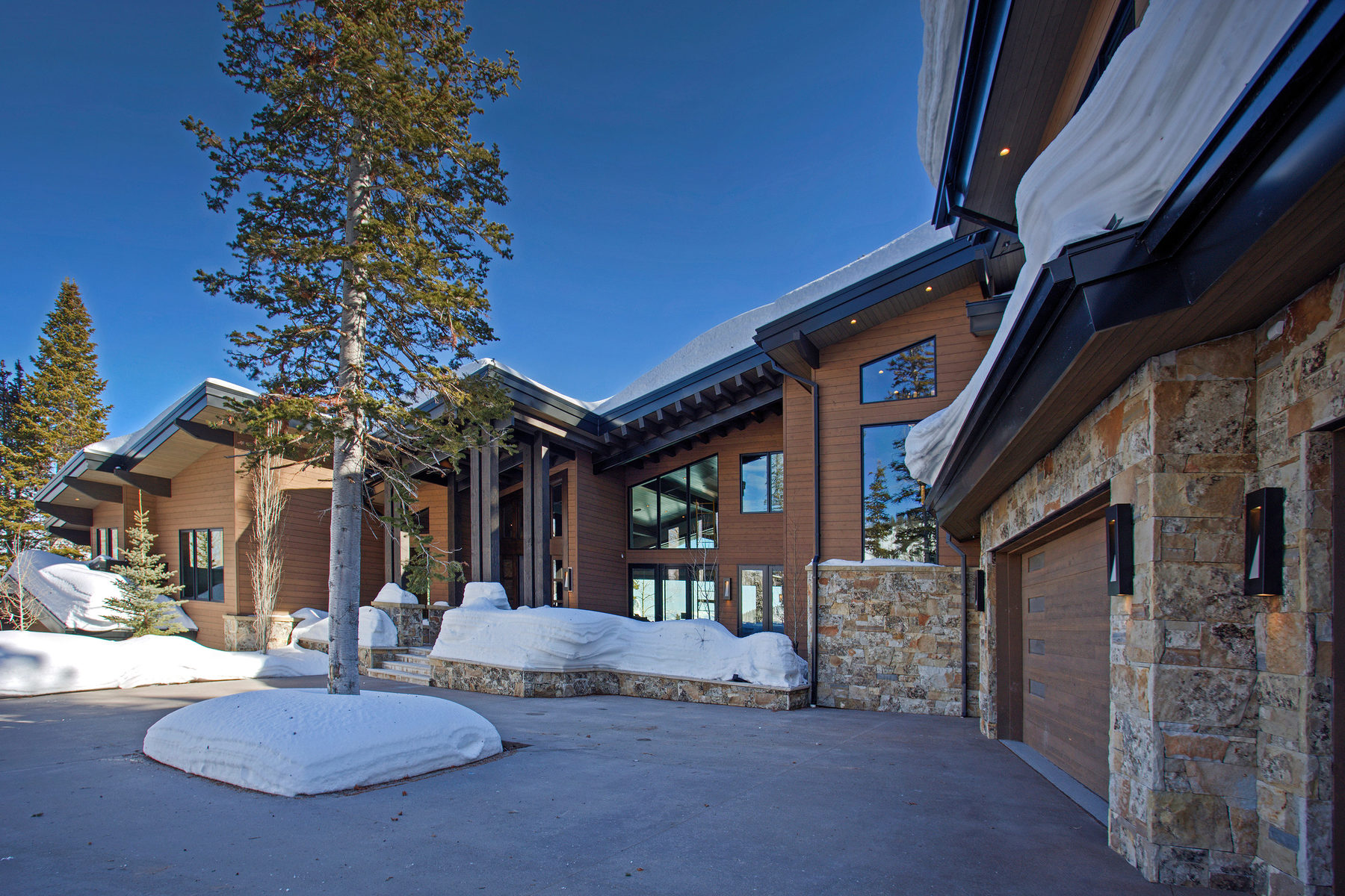 Casa Unifamiliar por un Venta en Don't miss this incredible opportunity to own one of the finest homes ever built 109 White Pine Canyon Rd Park City, Utah, 84060 Estados Unidos