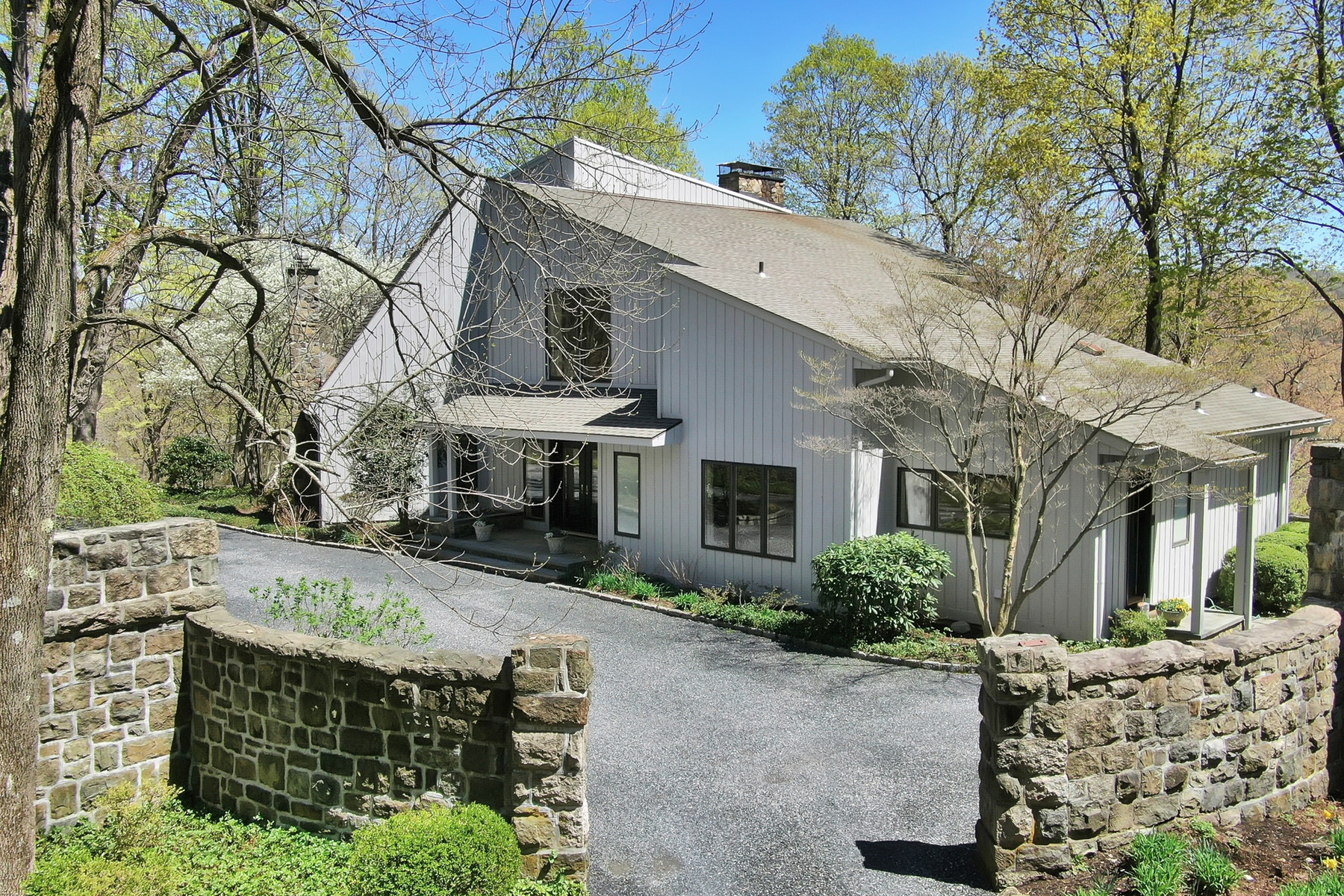 Single Family Homes for Sale at Four Seasons 57 Lookout Road Tuxedo Park, New York 10987 United States
