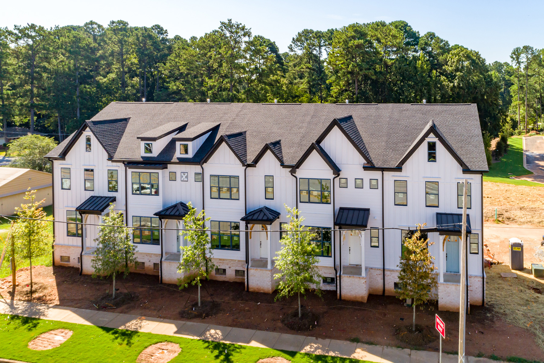 townhouses のために 売買 アット Beautiful New Townhomes Located In Desirable Decatur 2729 Lawrenceville Highway No. 12, Decatur, ジョージア 30033 アメリカ