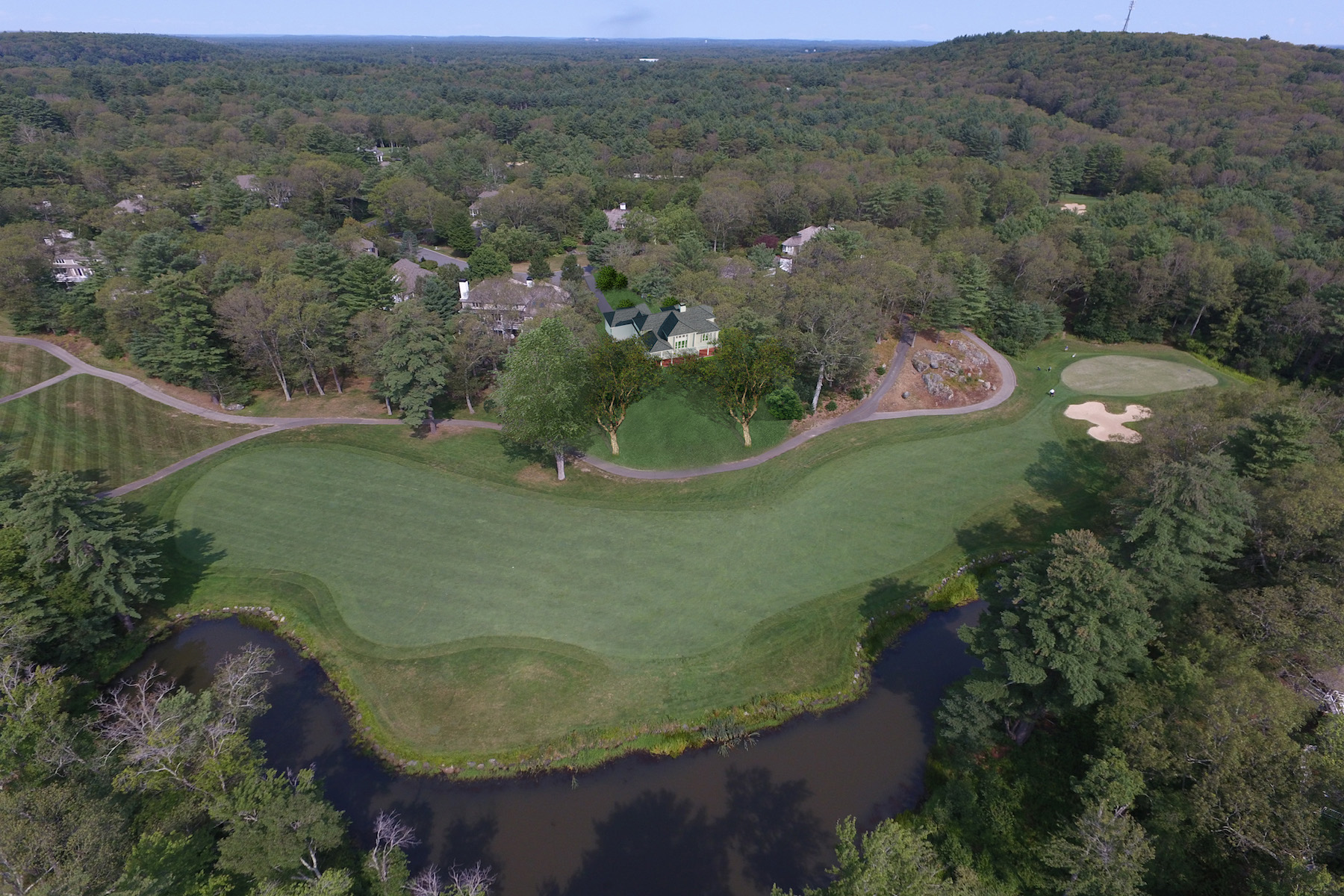 Casa Unifamiliar por un Venta en Lovely Views Of The 15th Fairway 9 Long Ridge Lane Ipswich, Massachusetts 01938 Estados Unidos