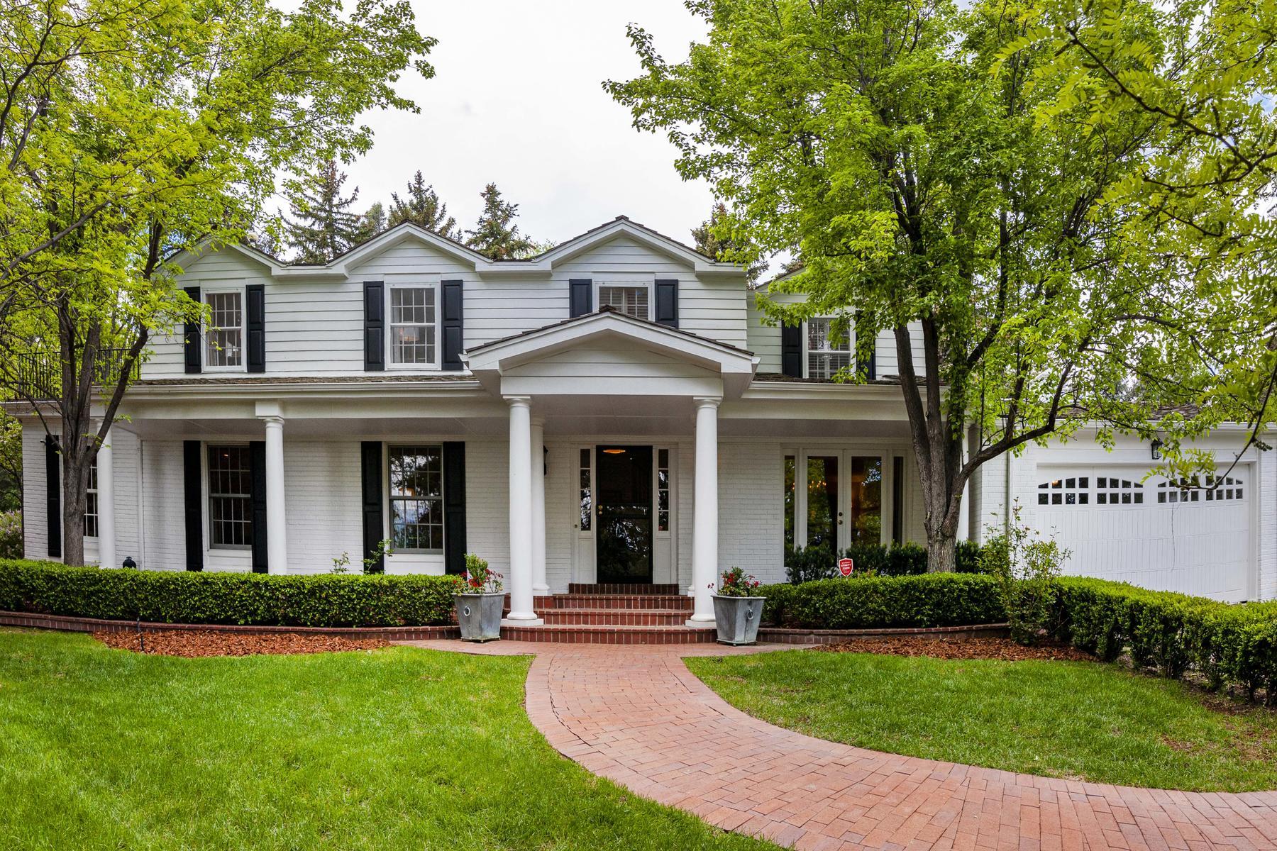 Single Family Homes για την Πώληση στο Charming Cape Cod in the heart of Old Cherry Hills. 4525 S Franklin Street, Cherry Hills Village, Κολοραντο 80113 Ηνωμένες Πολιτείες
