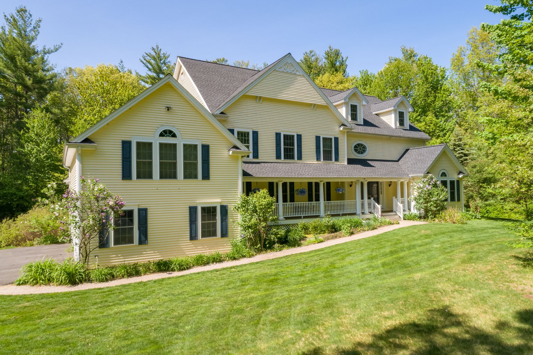 Single Family Homes for Sale at 28 Caverno Drive Lee, New Hampshire 03861 United States