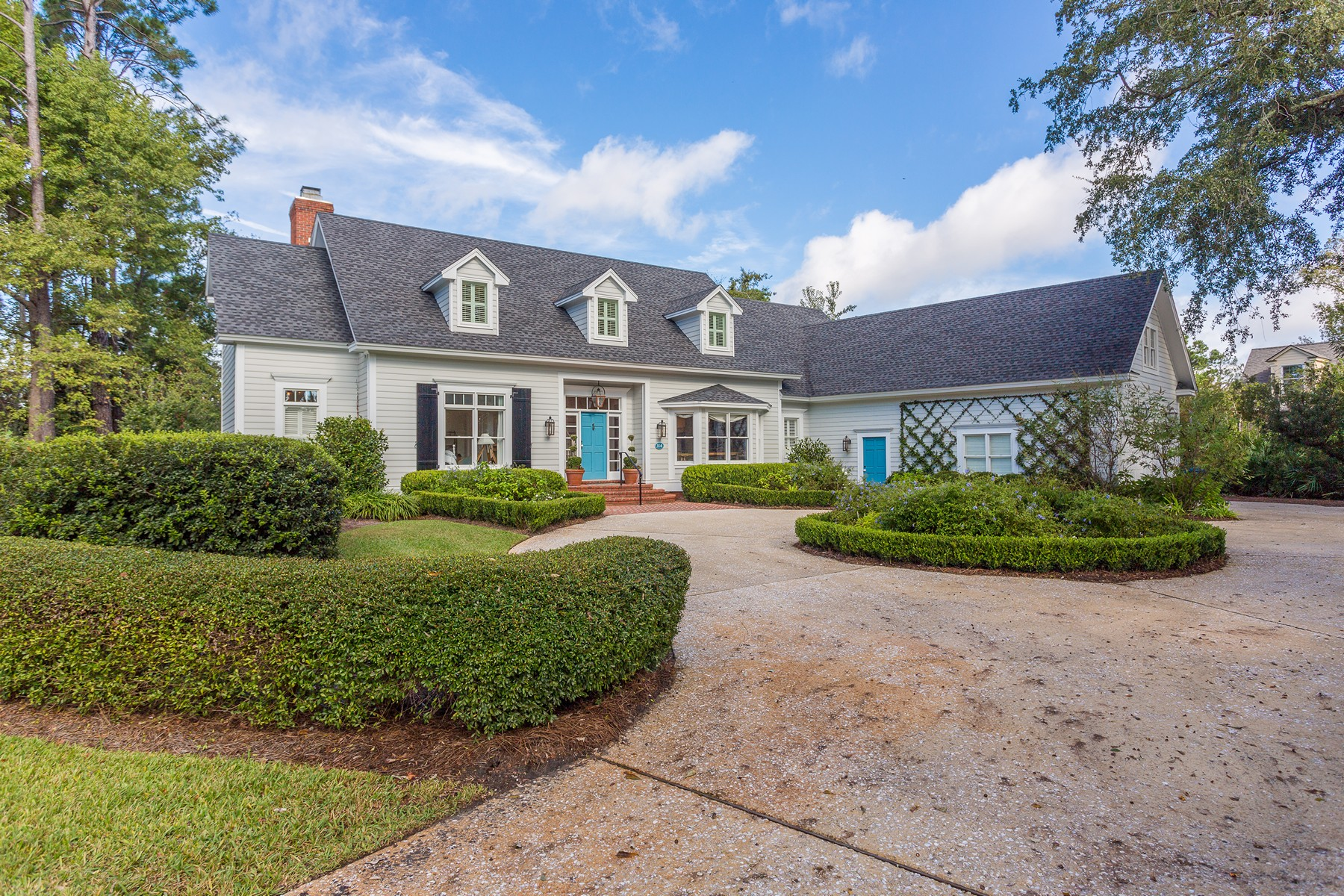 Single Family Homes for Active at 114 Augusta St. Simons Island, Georgia 31522 United States