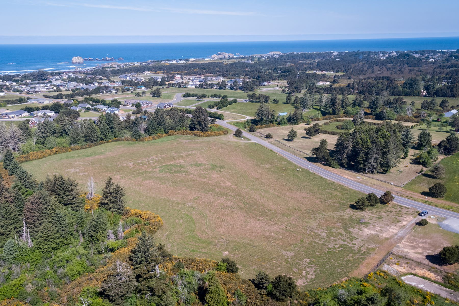 Terreno para Venda às Prime Commercial Location Seabird Drive SW, Bandon, Oregon 97411 Estados Unidos