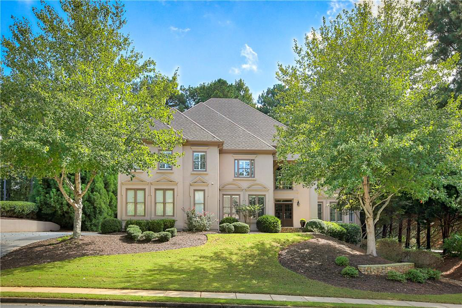 Single Family Home for Sale at Better Than New, A Perfect 10 3010 Greatwood Crossing Alpharetta, Georgia 30005 United States